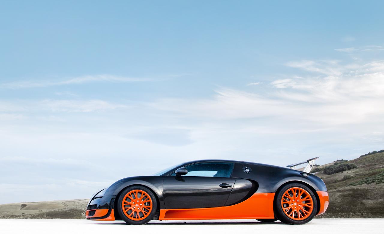 2011 Bugatti Veyron  (Photo 18 of 39)