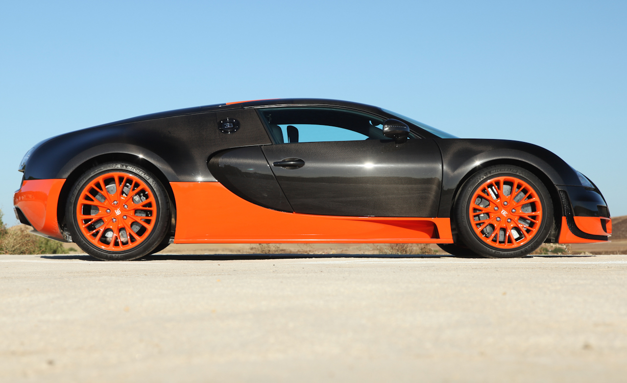 2011 Bugatti Veyron 16.4 Super Sport Exterior Side (Photo 23 of 39)