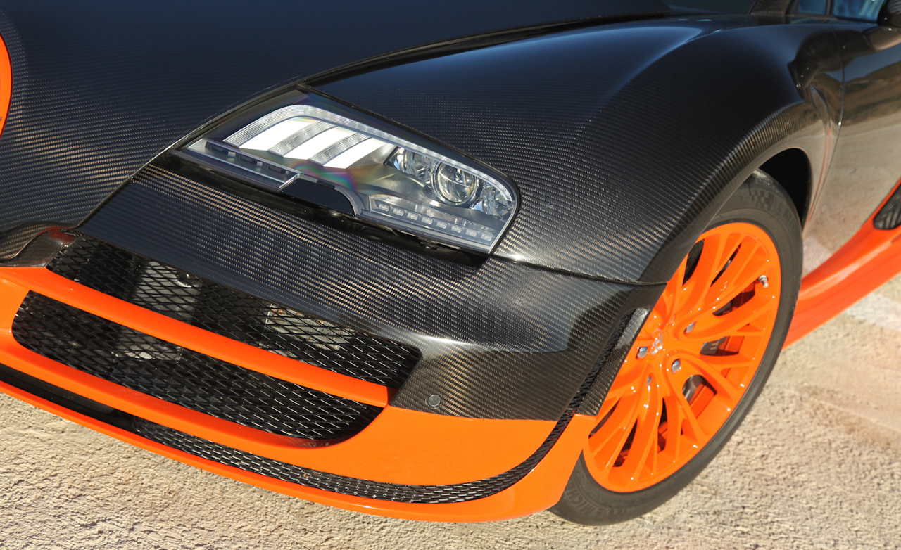 2011 Bugatti Veyron 16.4 Super Sport Exterior View Headlight And Air Vent (Photo 22 of 39)