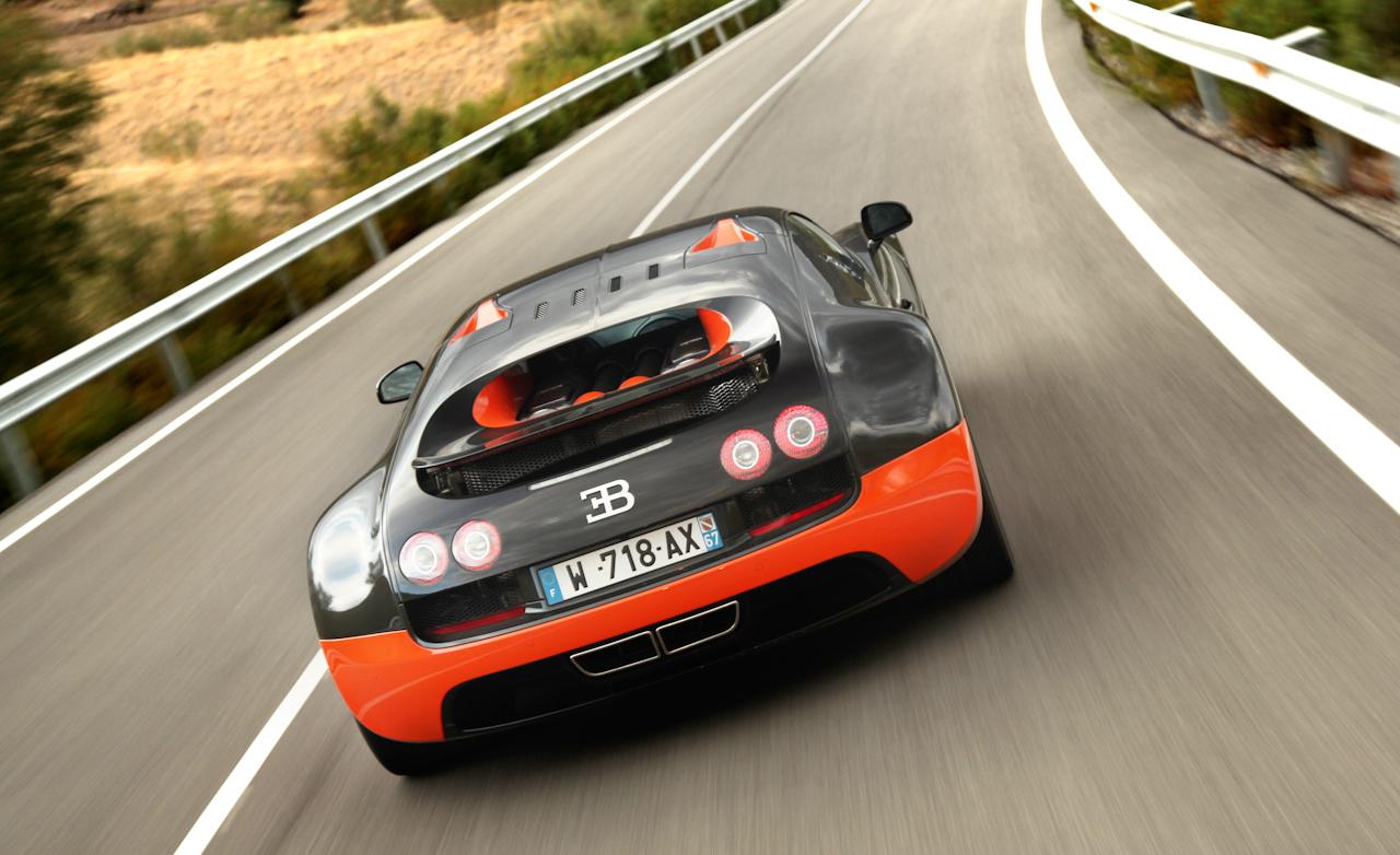 2011 Bugatti Veyron  (Photo 34 of 39)