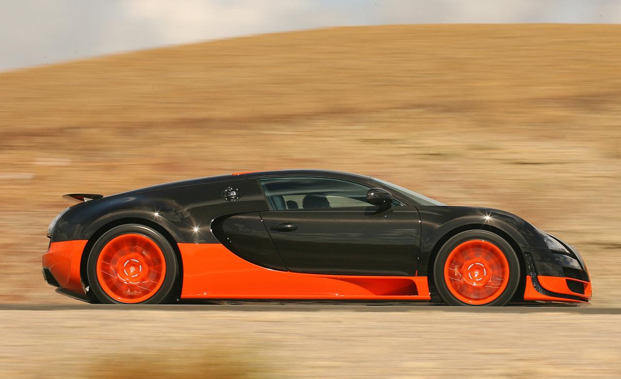 2011 Bugatti Veyron  (Photo 35 of 39)