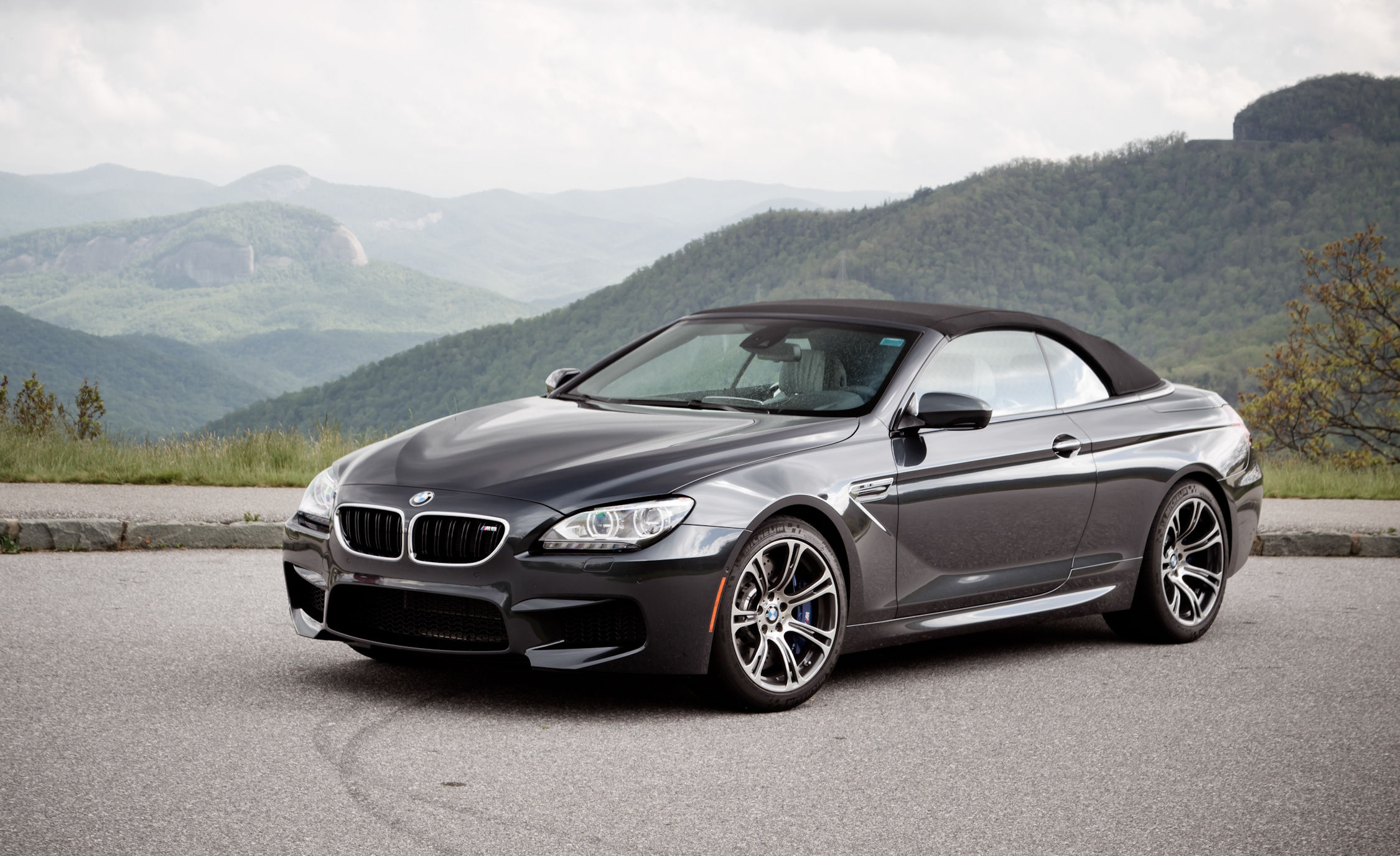 2012 BMW M6 Convertible Exterior Roof Closed (Photo 2 of 30)