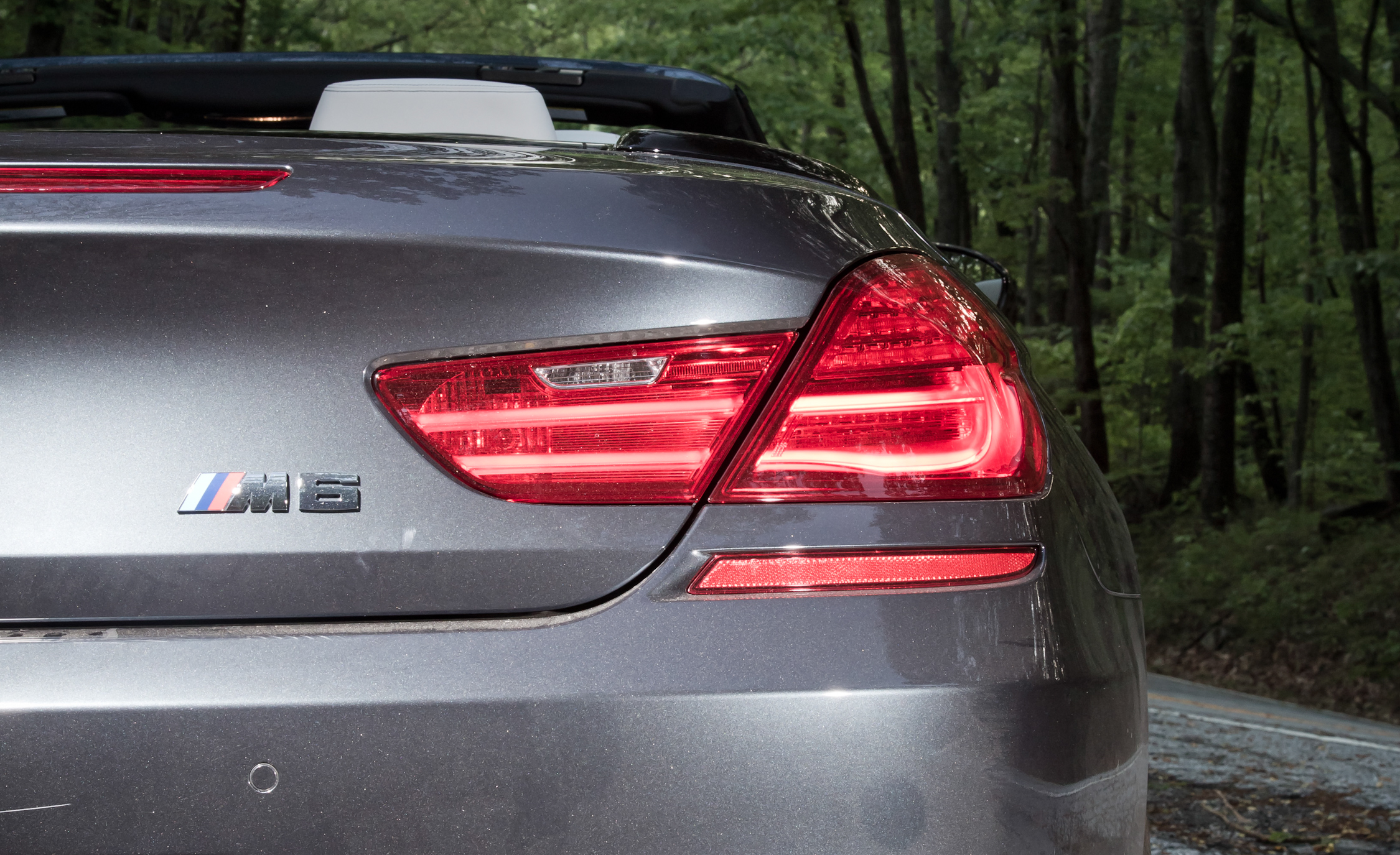 2012 BMW M6 Convertible Exterior View Taillight (Photo 6 of 30)