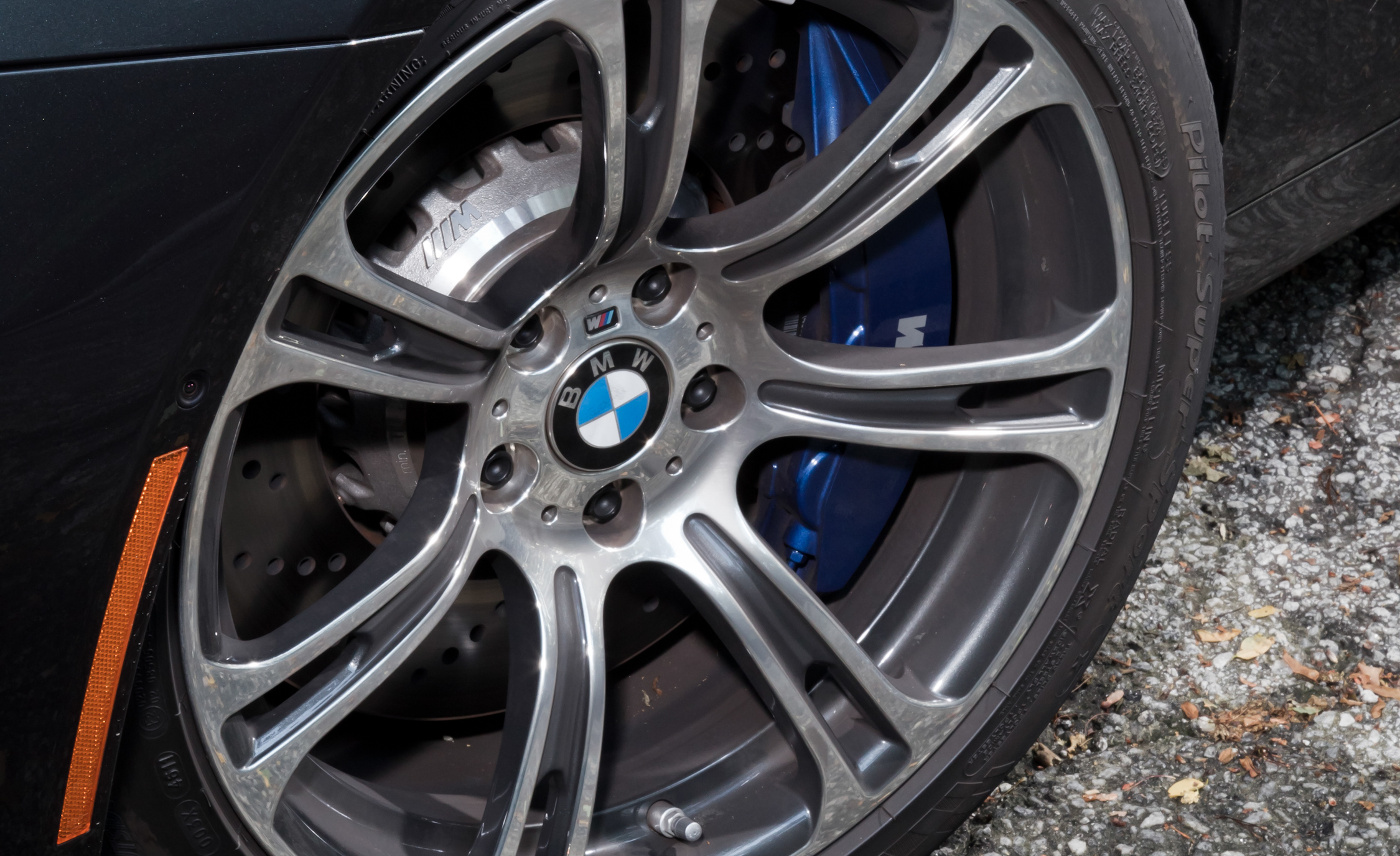 2012 BMW M6 Convertible Exterior View Wheel Velg (Photo 7 of 30)