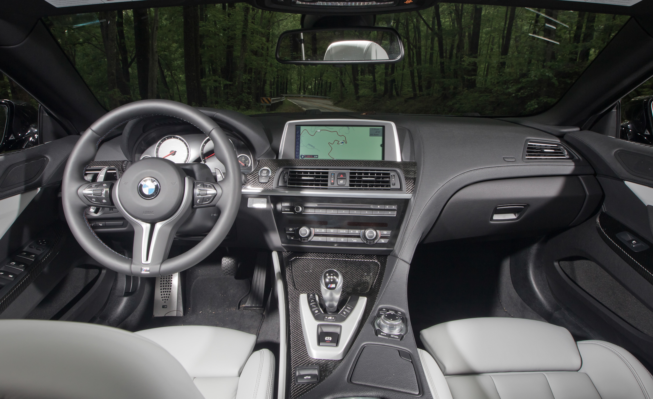 2012 BMW M6 Convertible Interior Dashboard (Photo 9 of 30)
