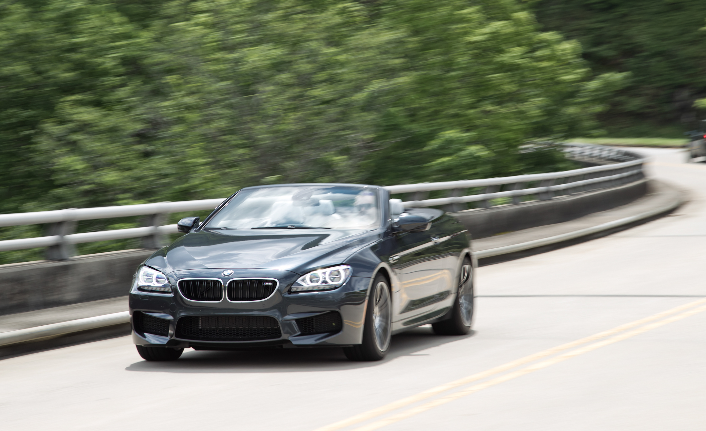 2012 BMW M6 Convertible Test Drive Front Corner (Photo 21 of 30)