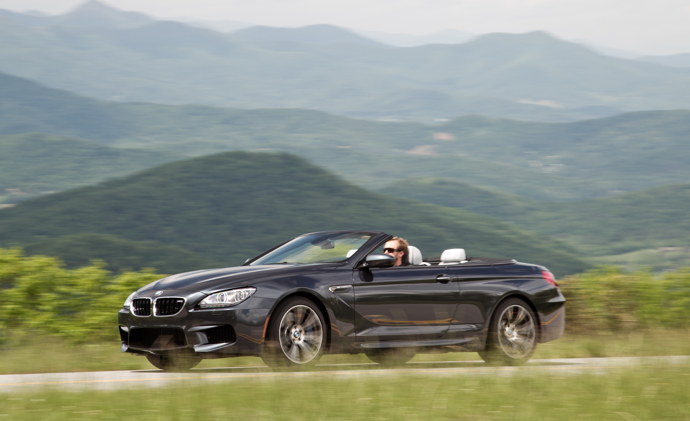 2012 BMW M6 Convertible Test Drive Preview (Photo 22 of 30)