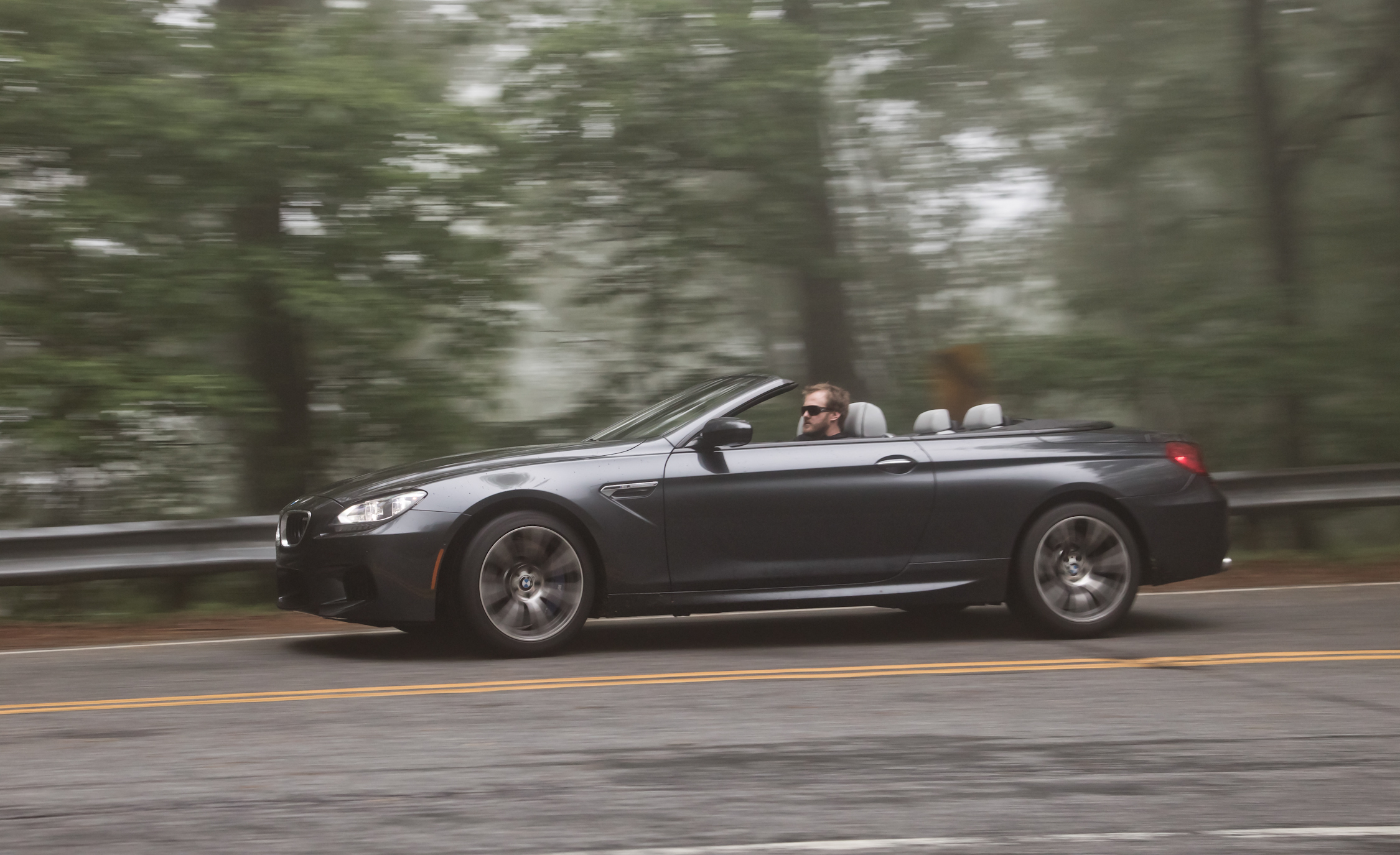 2012 BMW M6 Convertible Test Drive Side View (Photo 29 of 30)