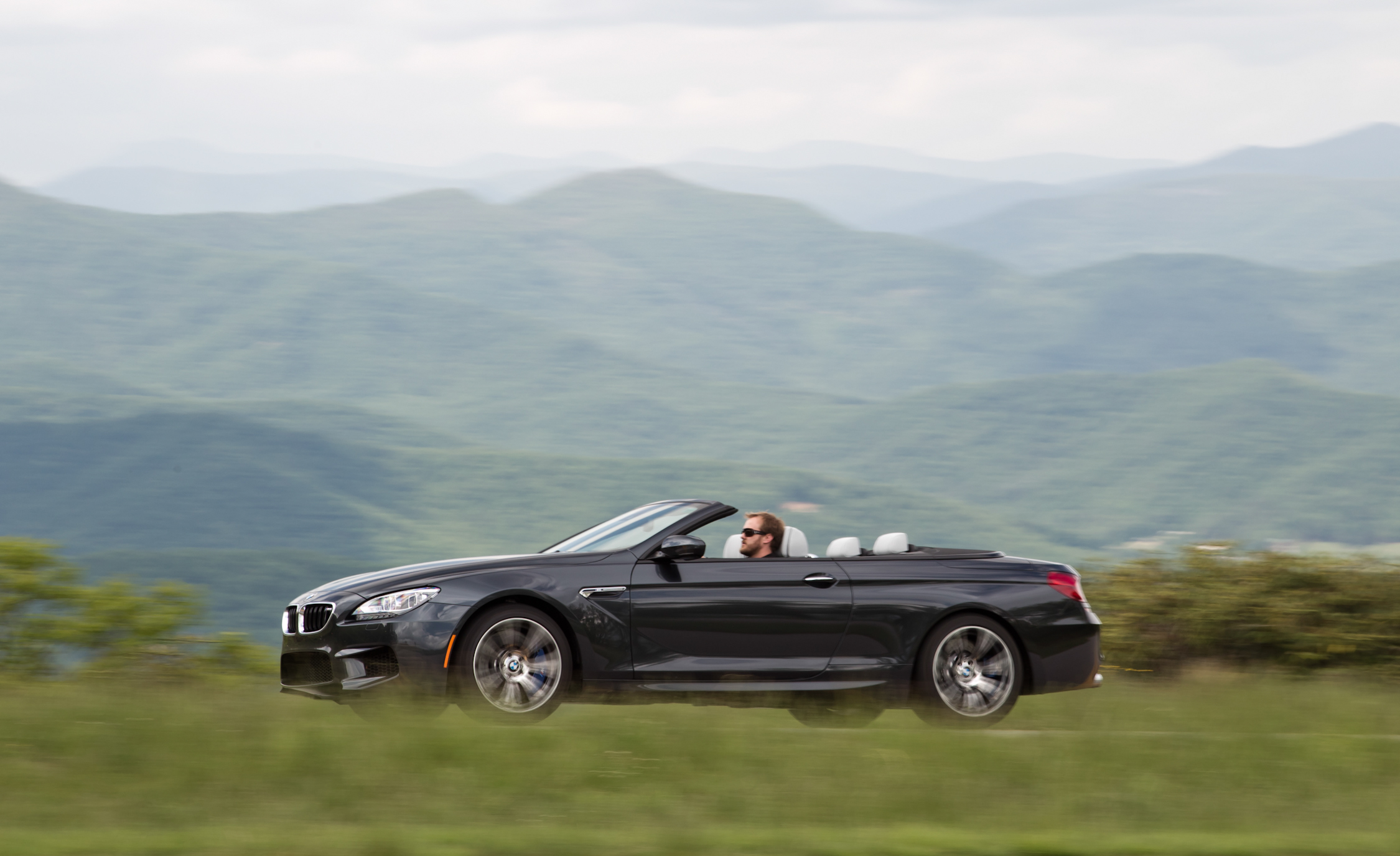 2012 BMW M6 Convertible Test Drive (Photo 17 of 30)