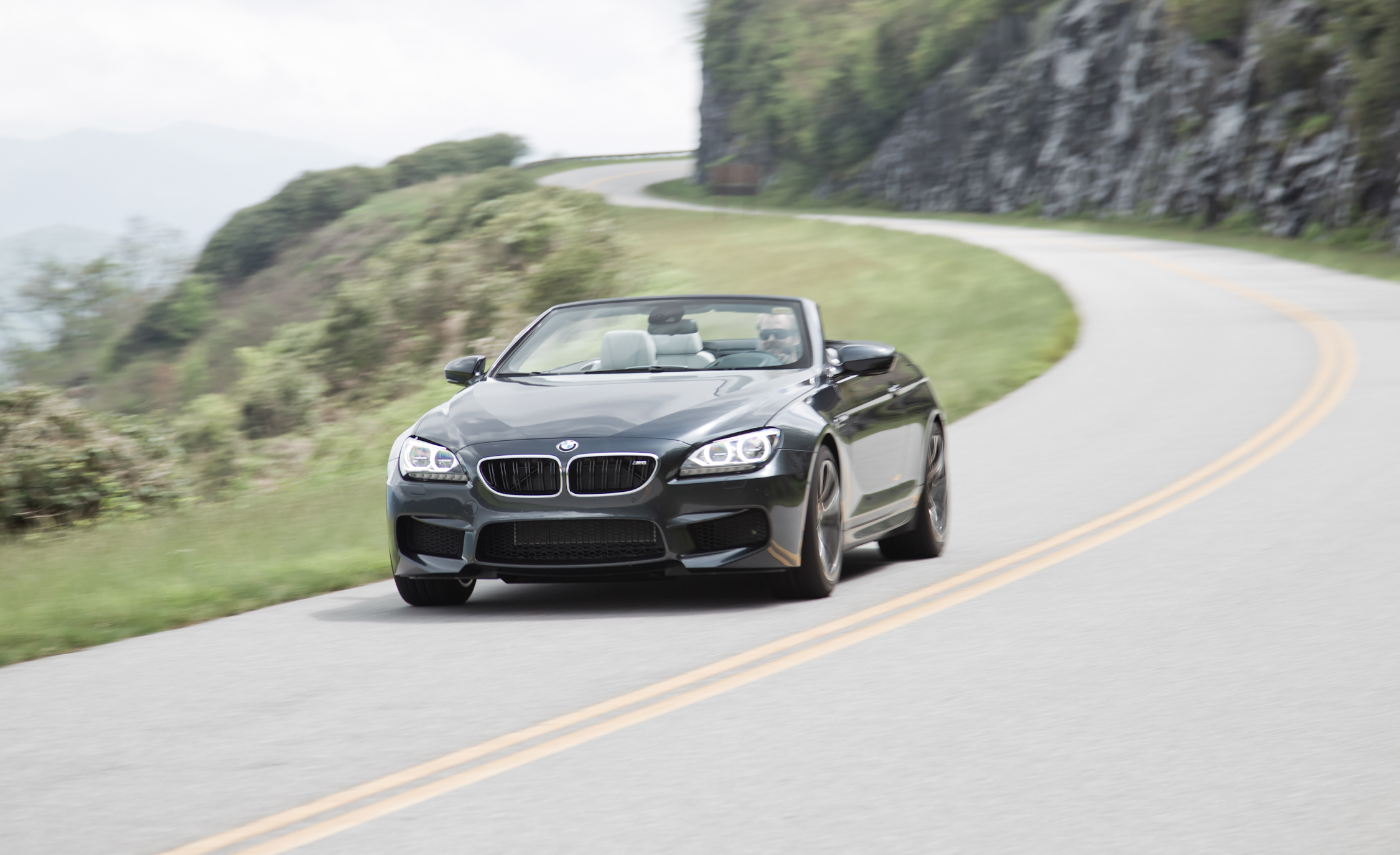 2012 BMW M6 Convertible Test (Photo 16 of 30)