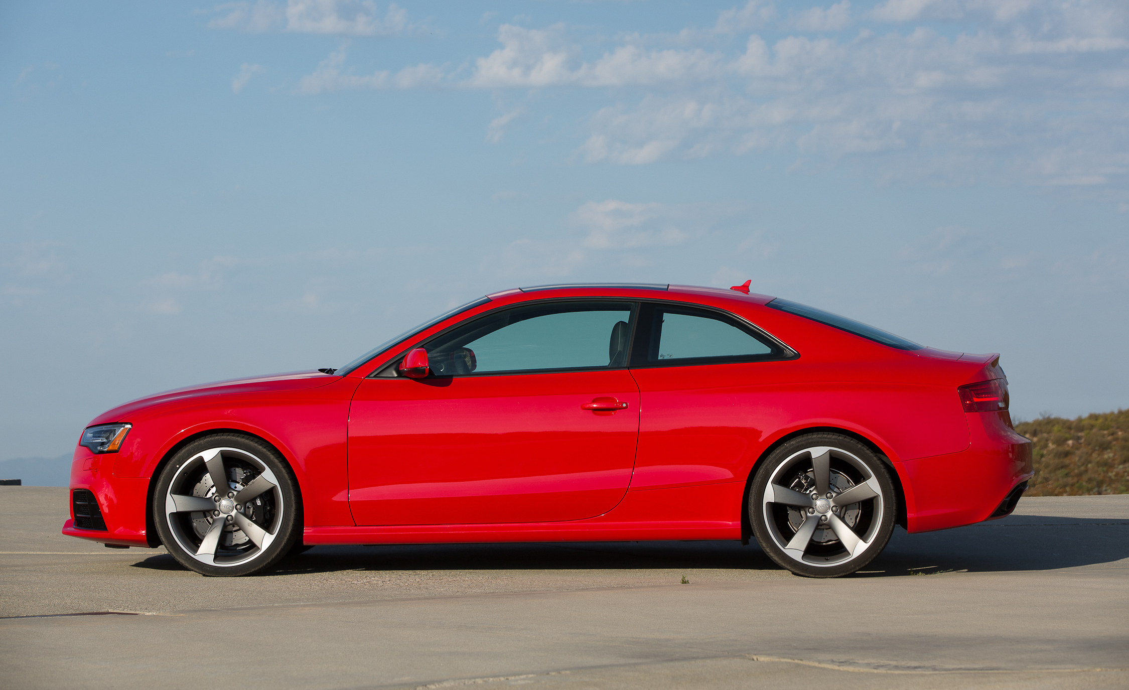 2013 Audi RS 5 Exterior Side (Photo 8 of 41)