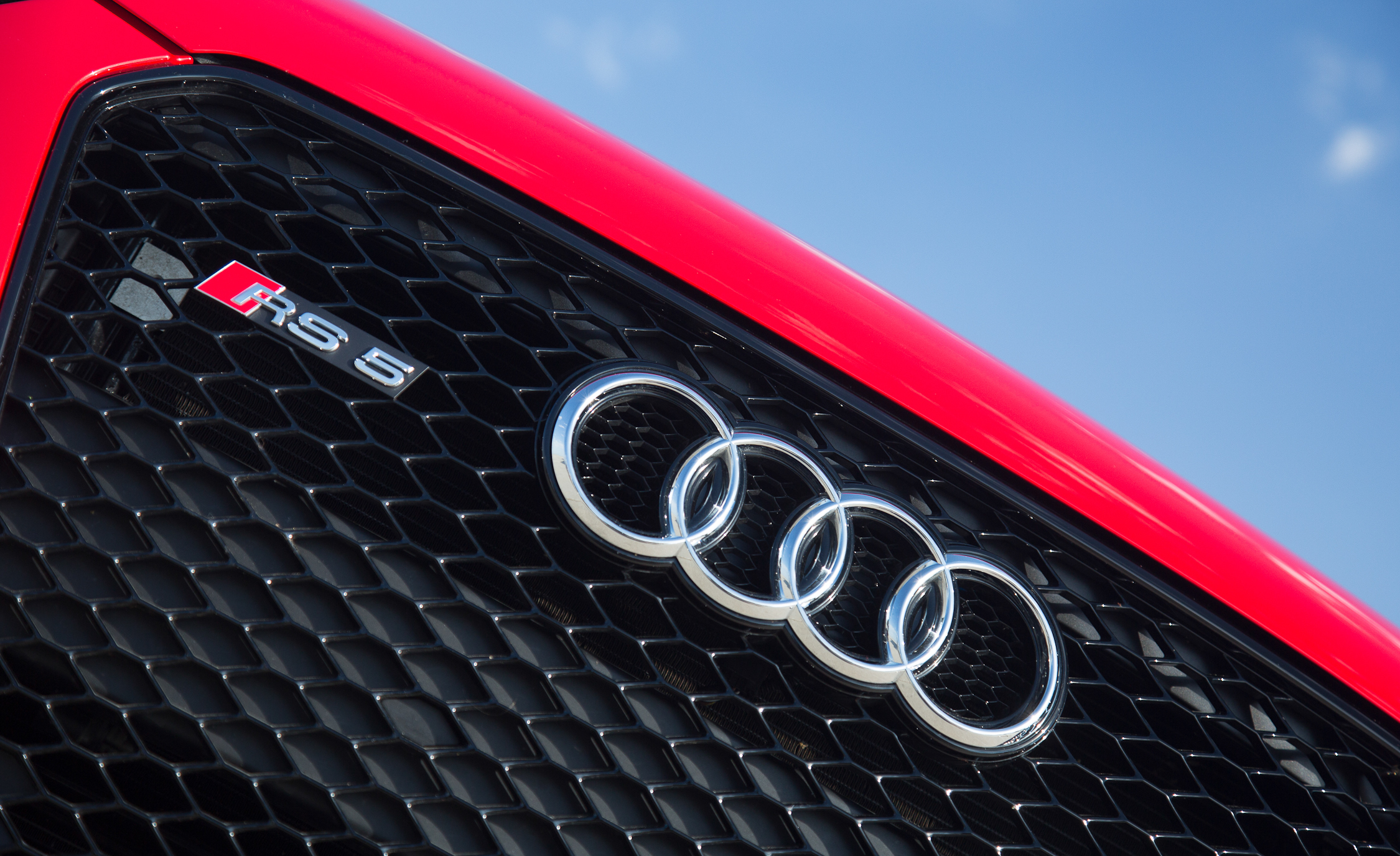 2013 Audi RS 5 Exterior View Front Badge And Grille (Photo 9 of 41)
