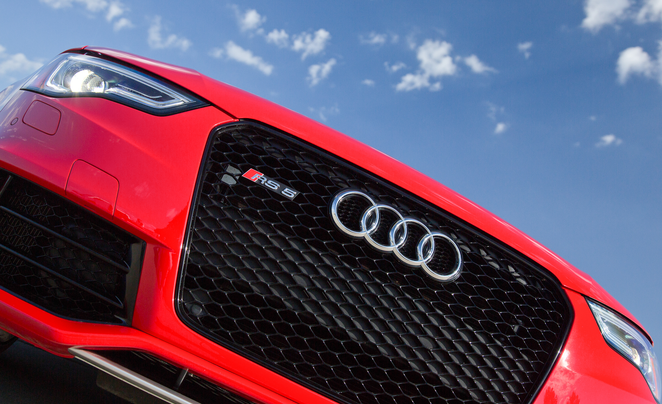 2013 Audi RS 5 Exterior View Grille (Photo 10 of 41)