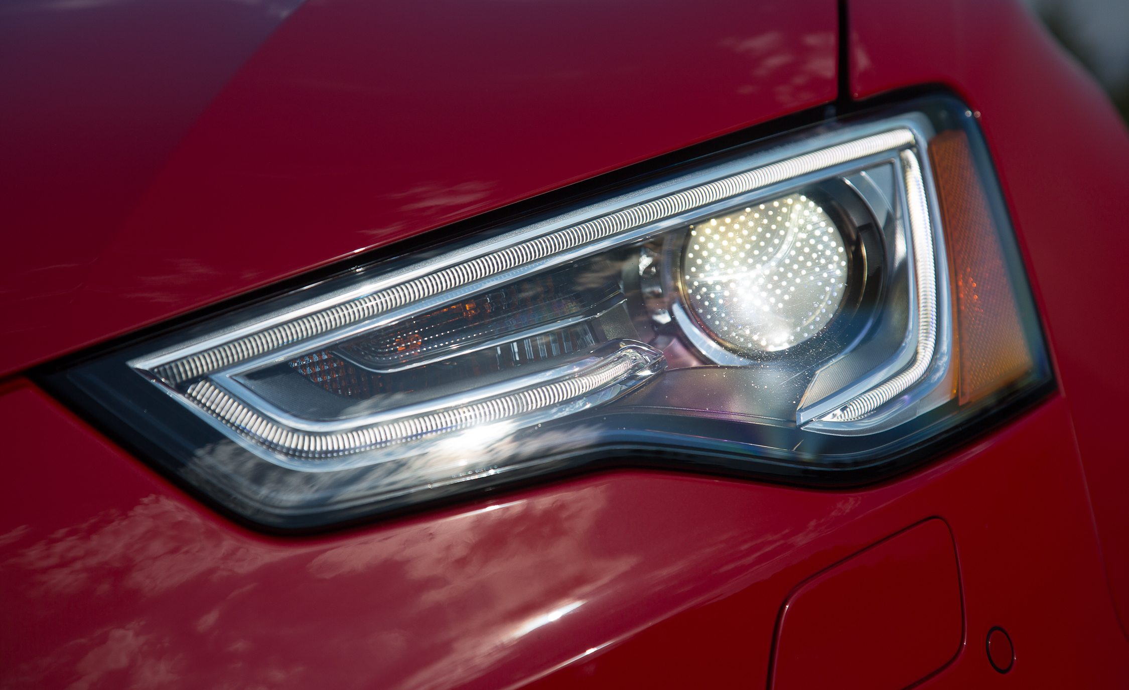 2013 Audi RS 5 Exterior View Headlight (Photo 13 of 41)