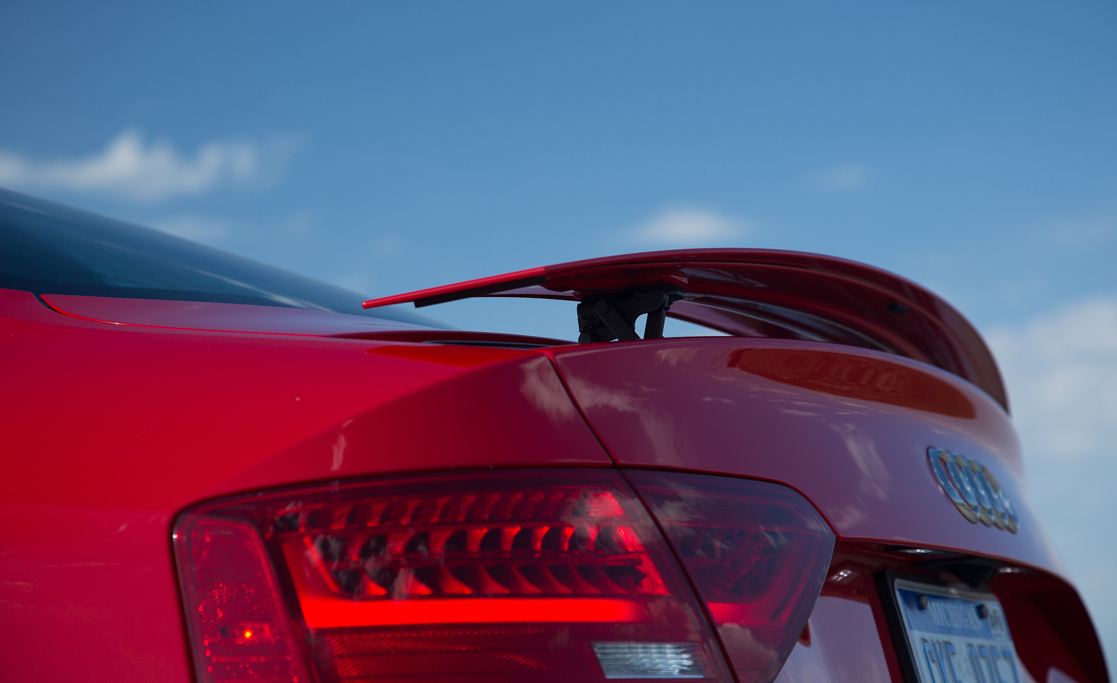 2013 Audi RS 5 Exterior View Rear Wing Spoiler (Photo 16 of 41)