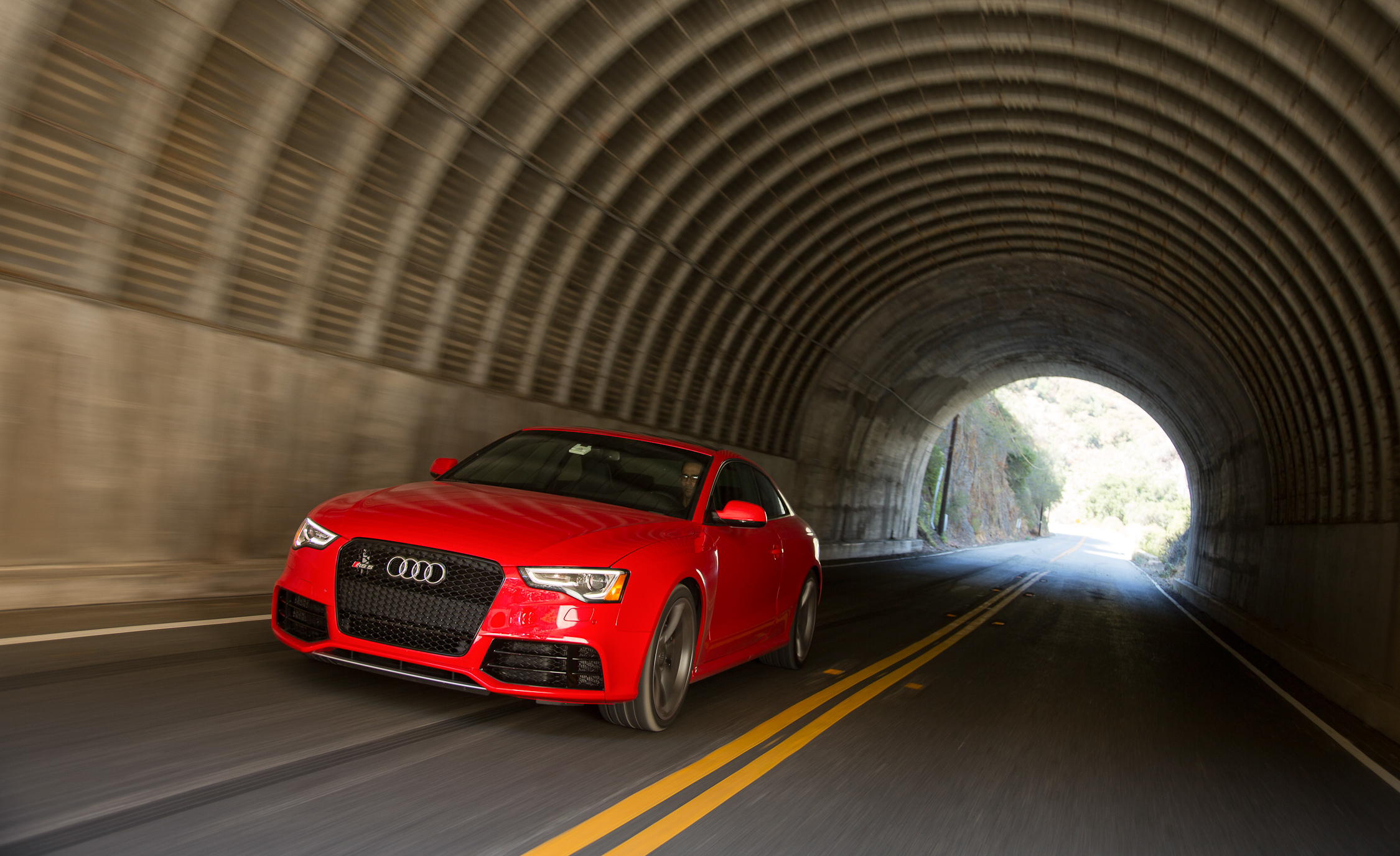 2013 Audi RS 5 Red Metallic (Photo 27 of 41)