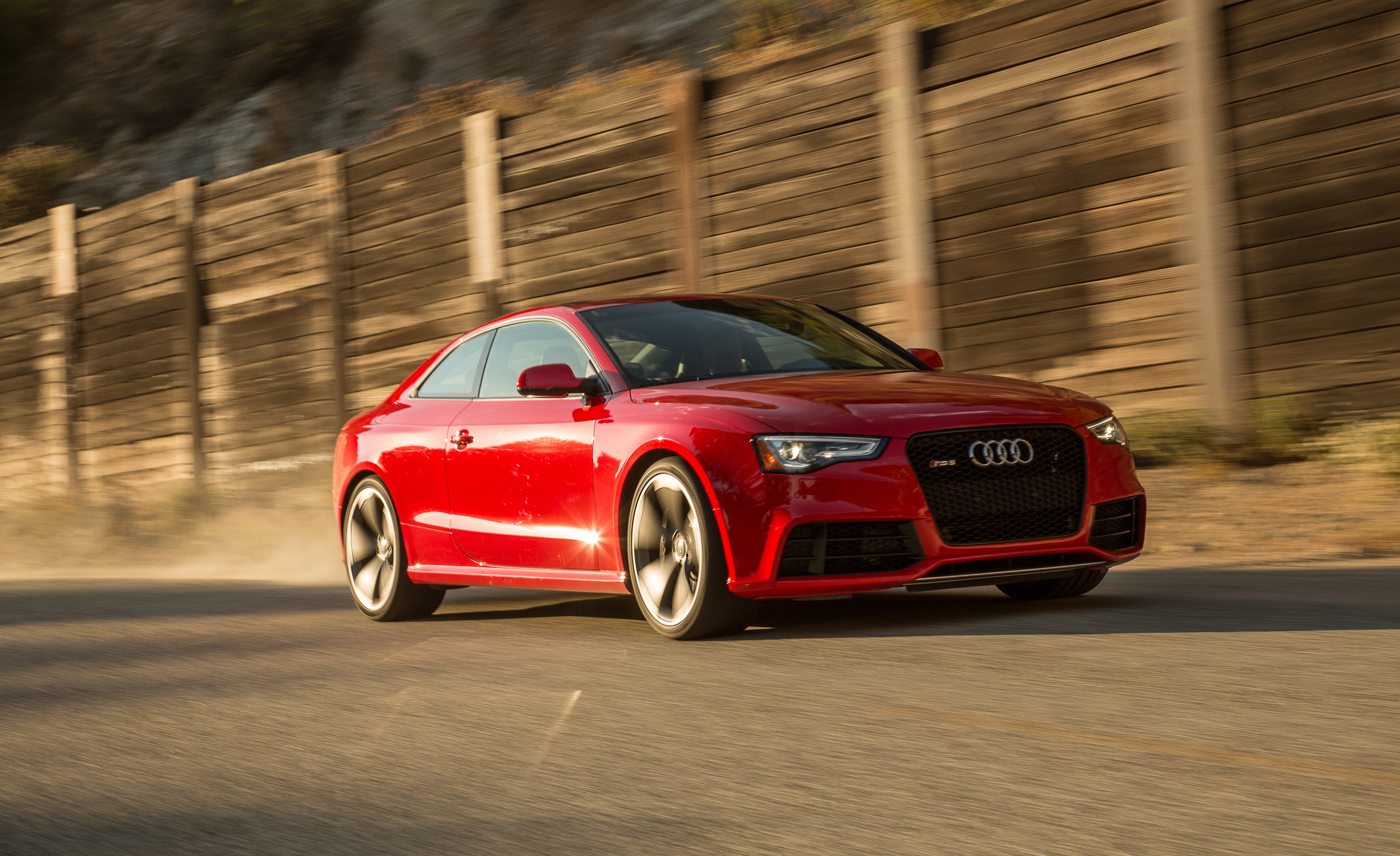 Featured Image of 2013 Audi RS