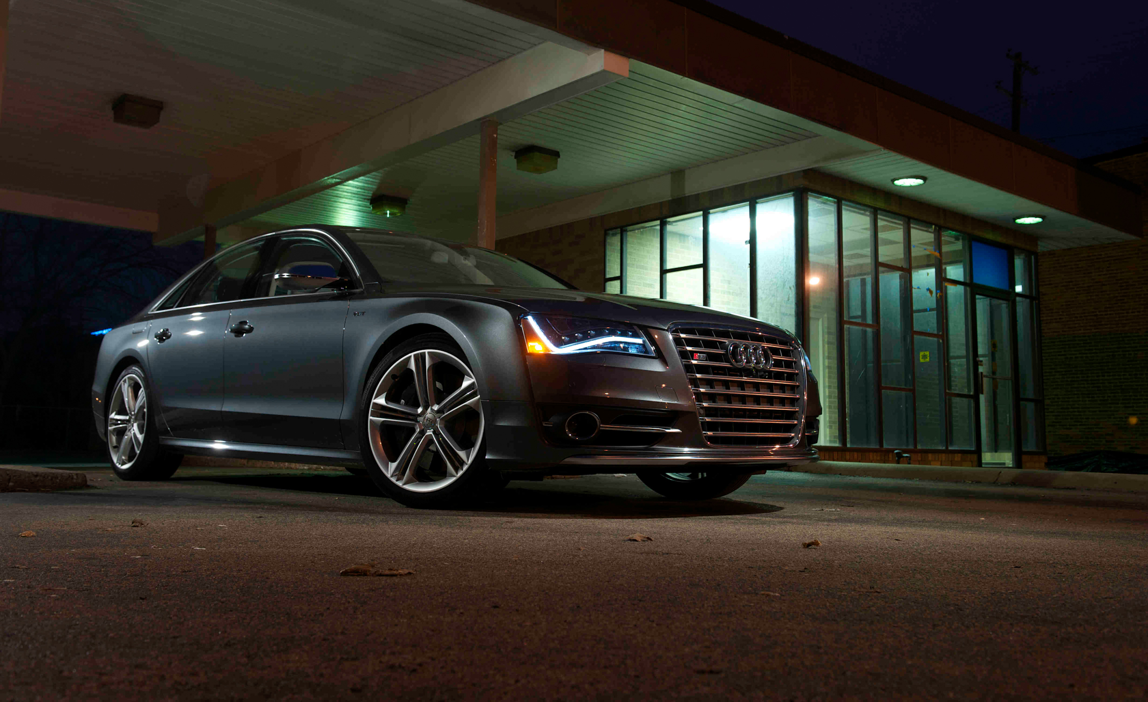 2013 Audi S8 Exterior Front And Side (View 24 of 25)