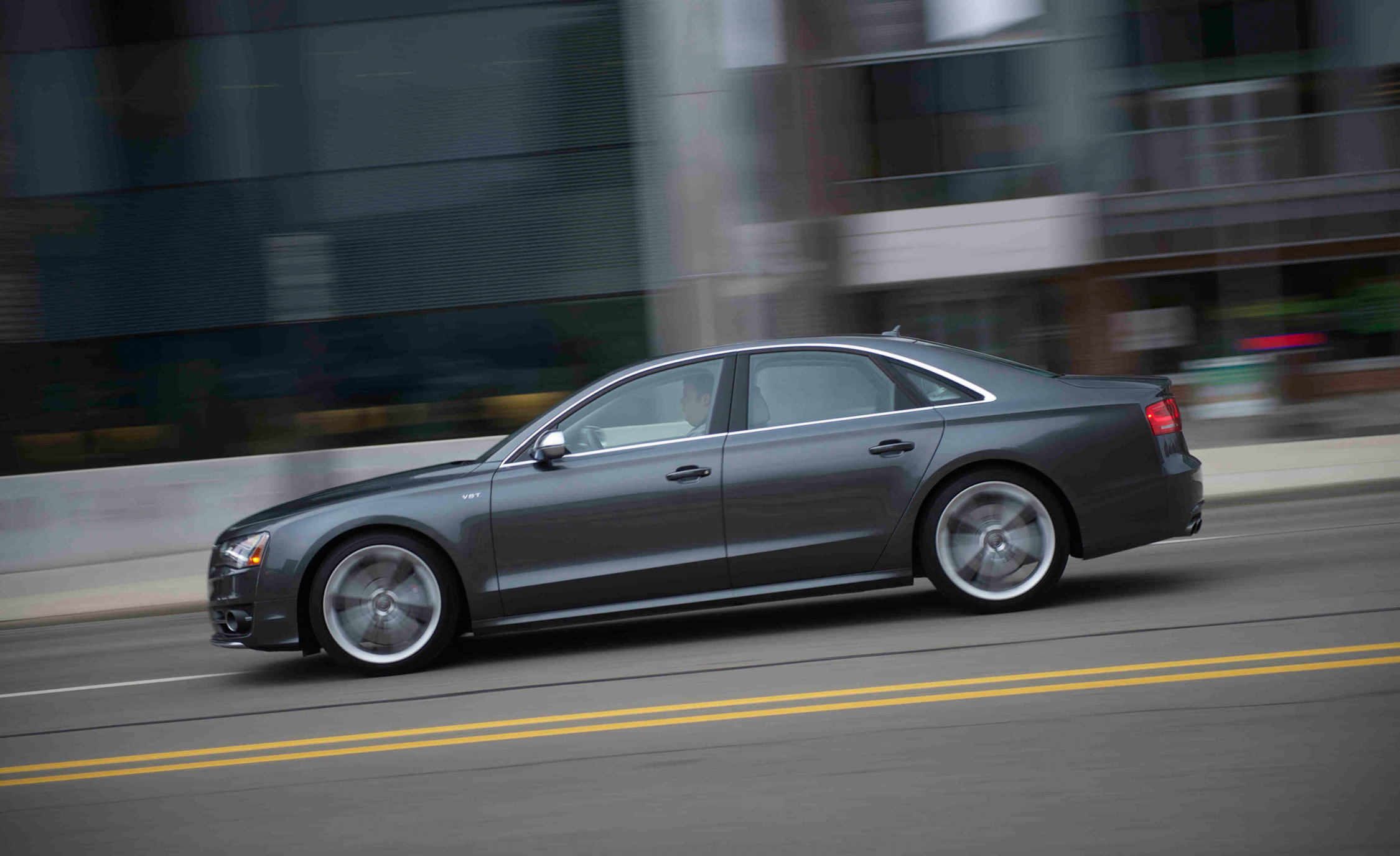 2013 Audi S8 Test Drive Side View (View 6 of 25)