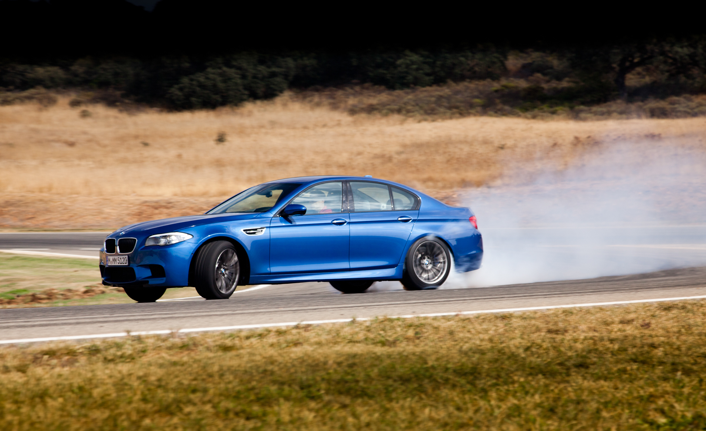 2013 BMW M5 Test Drive Side View (View 1 of 22)