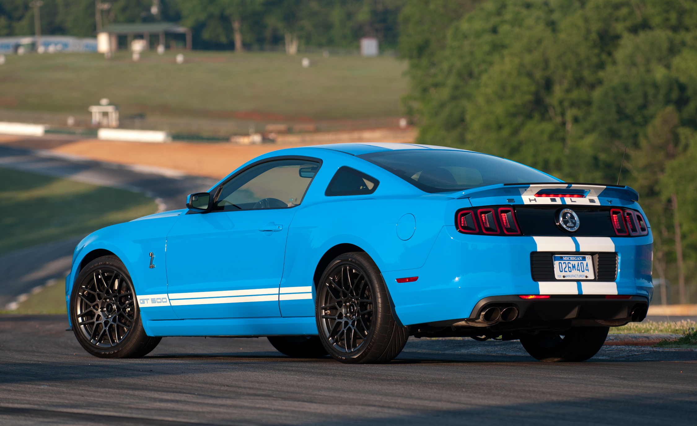 2013 Ford Mustang Shelby GT500 Blue Exterior Side And Rear (View 32 of 47)