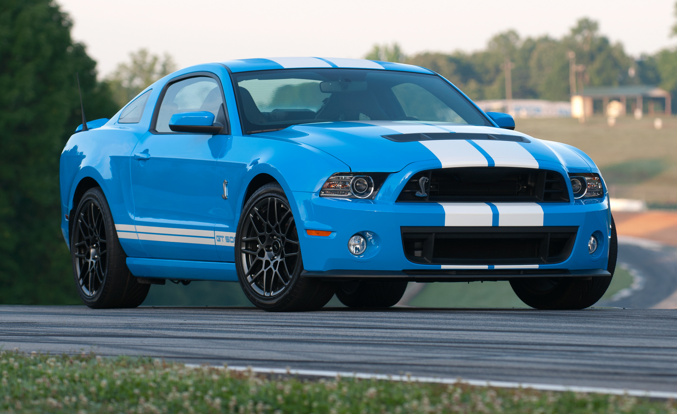 2013 Ford Mustang Shelby GT500 Blue Exterior (Photo 2 of 47)