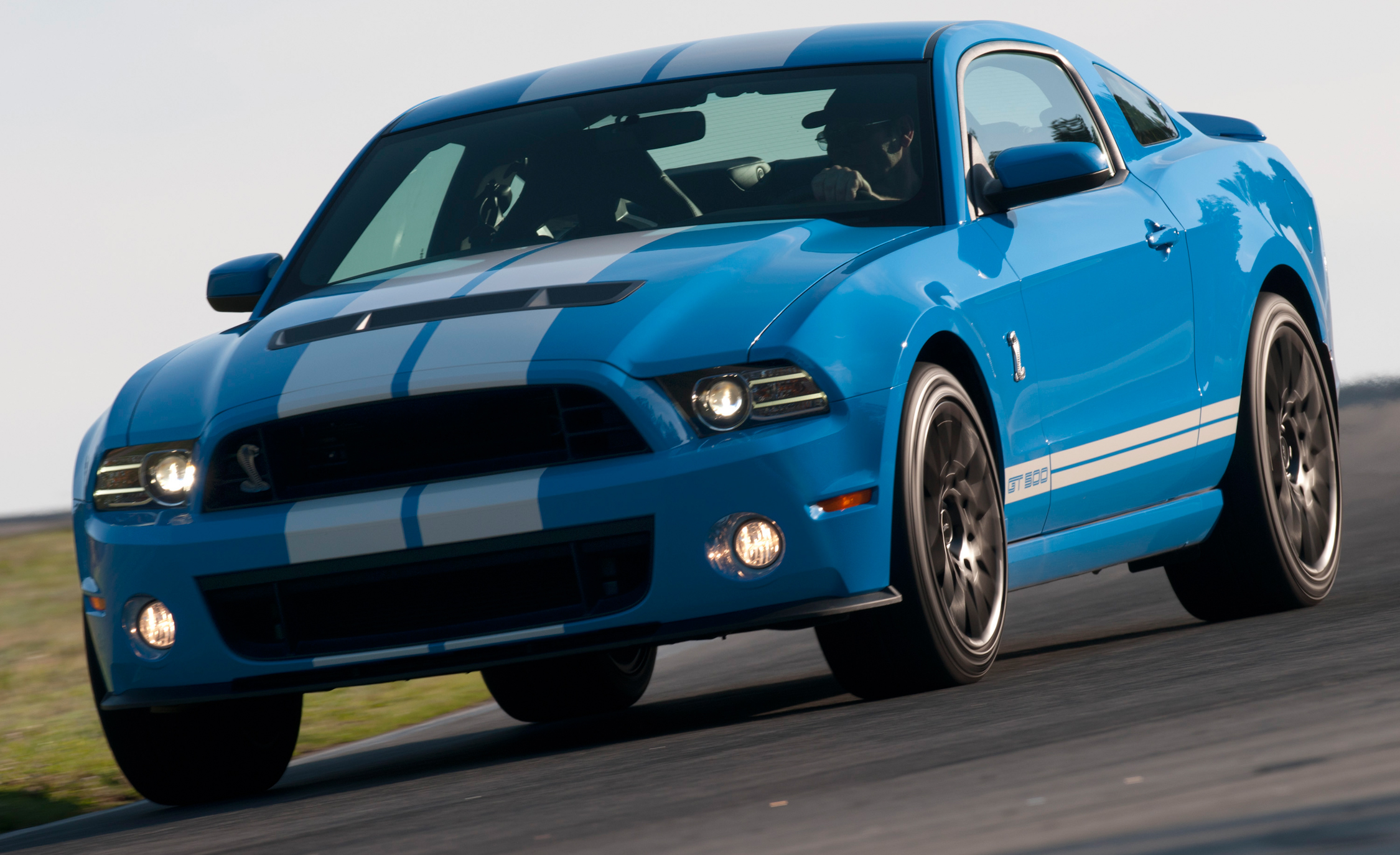 2013 Ford Mustang Shelby GT500 Blue Test Drive Circuit (View 37 of 47)