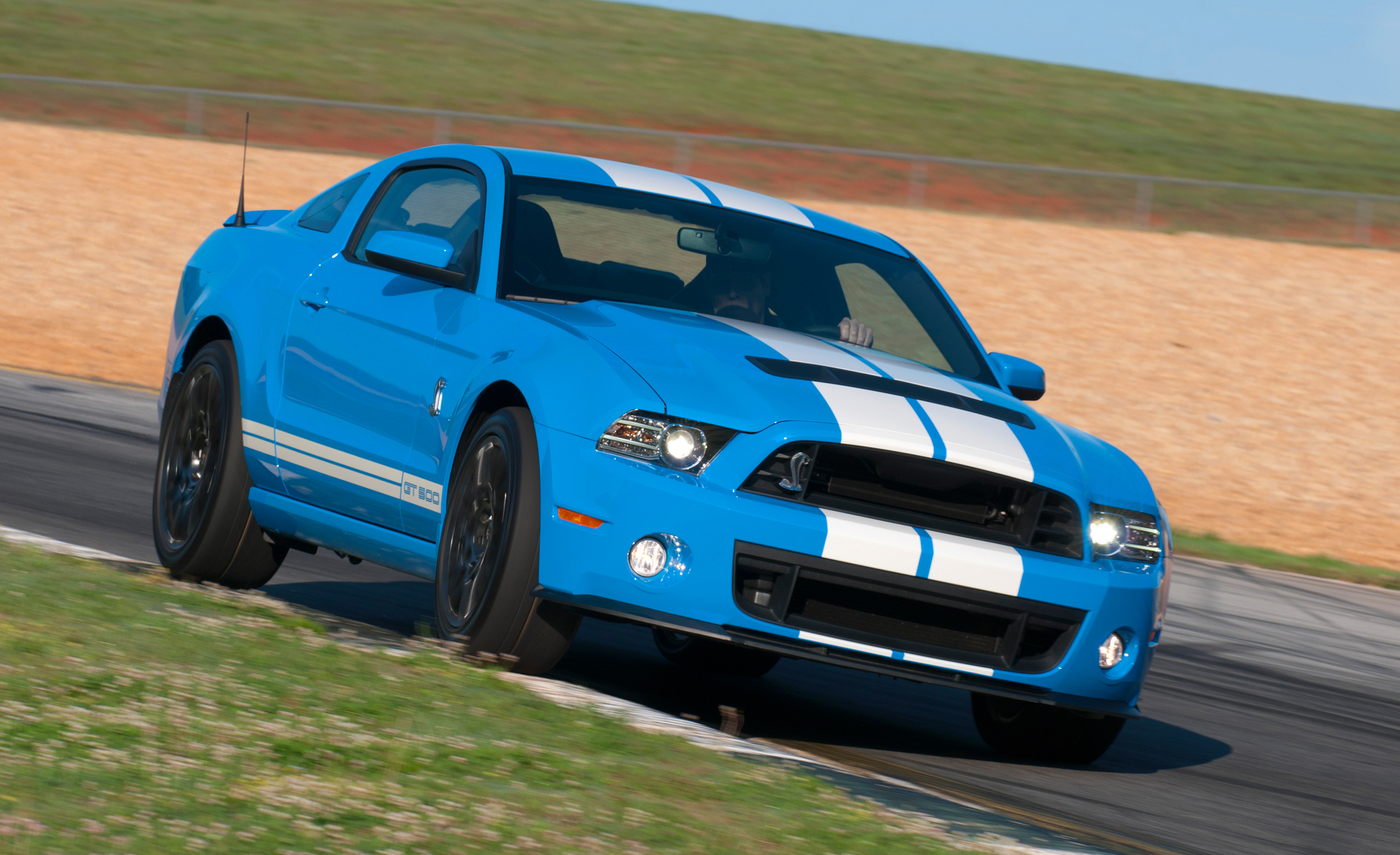 2013 Ford Mustang Shelby GT500 Blue Test Drive Front Corner (View 28 of 47)