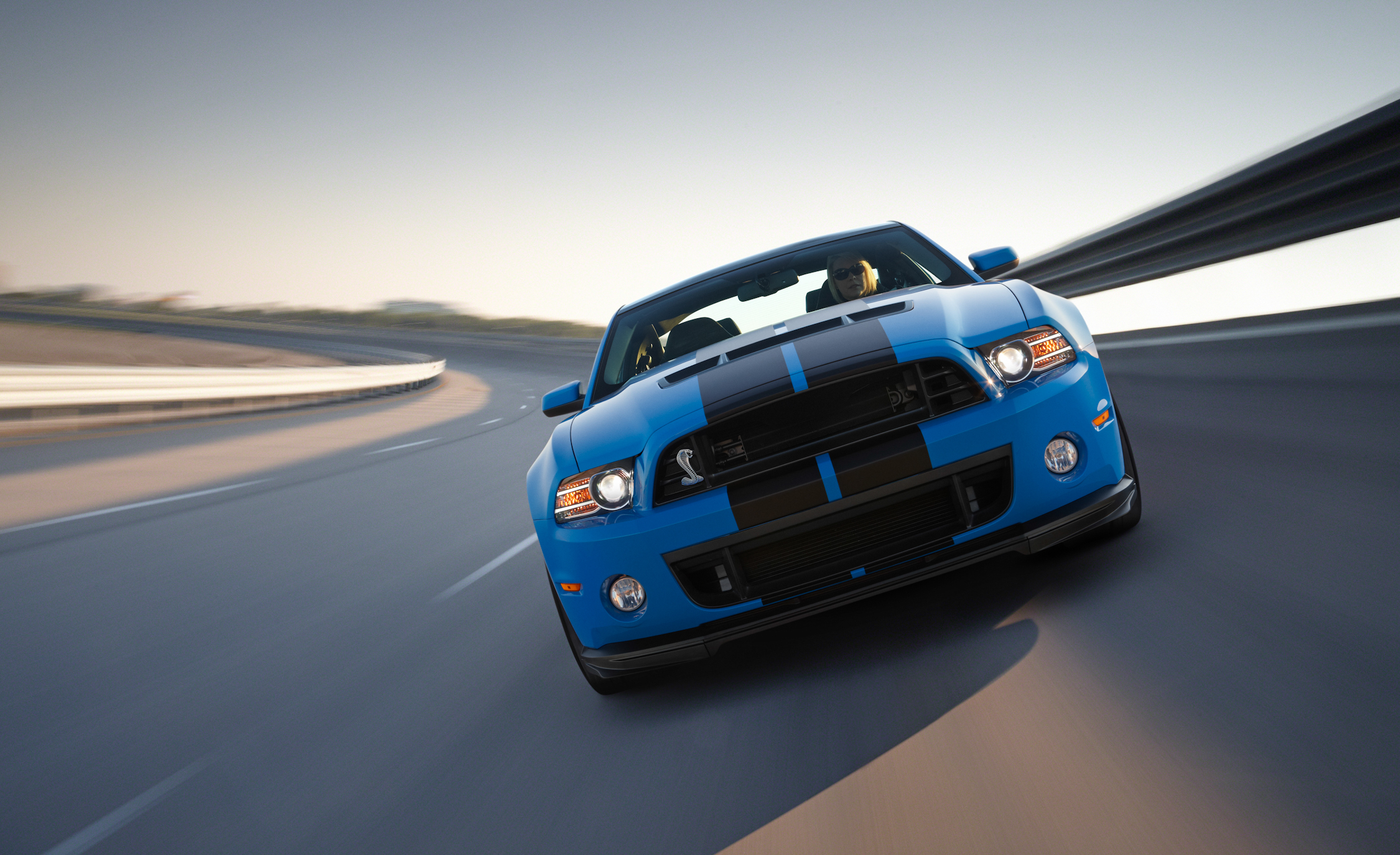 2013 Ford Mustang Shelby GT500 Blue Test Drive Front View (Photo 14 of 47)