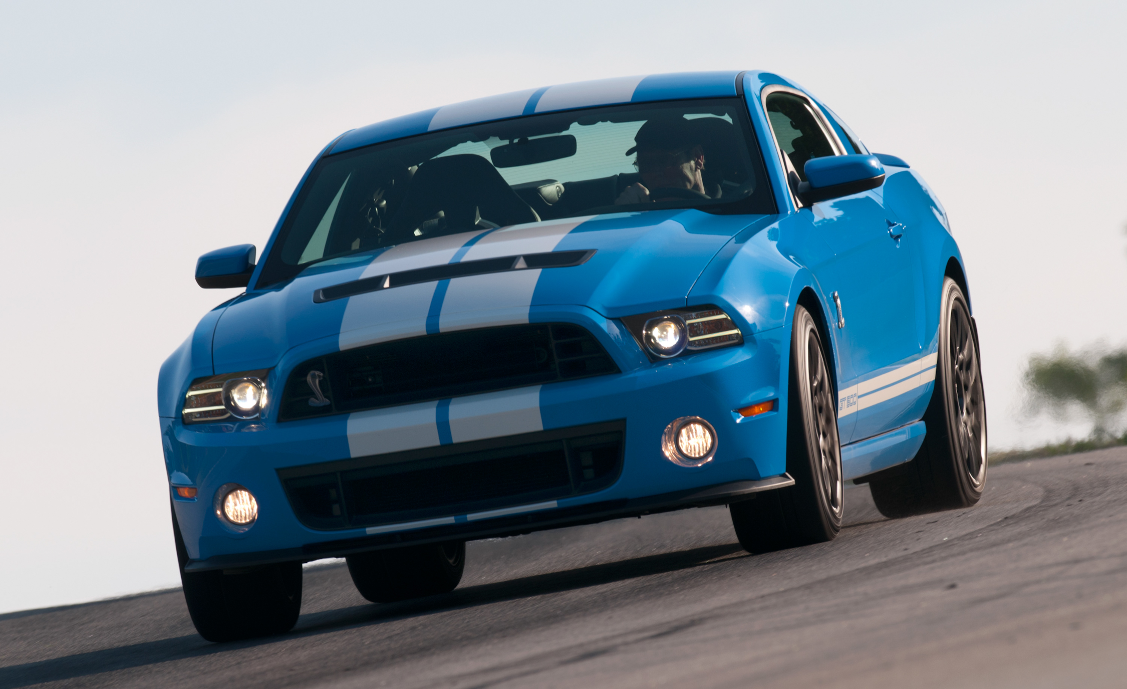 2013 Ford Mustang Shelby GT500 Blue Test Drive Front (View 34 of 47)