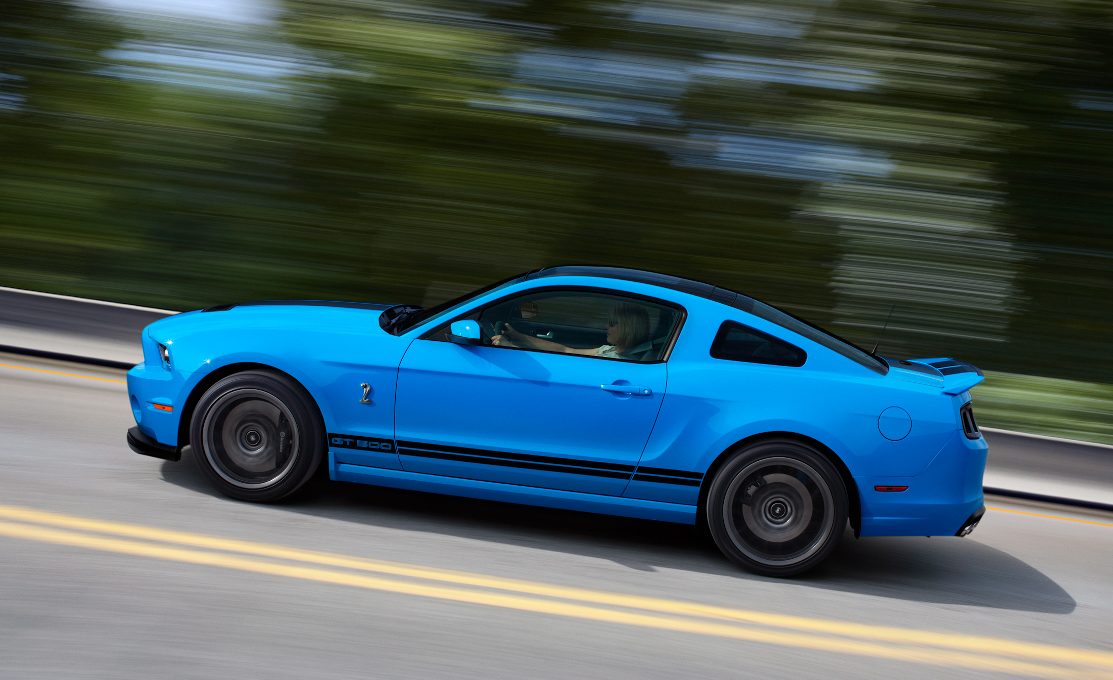 2013 Ford Mustang Shelby GT500 Blue Test Drive Side View (View 16 of 47)