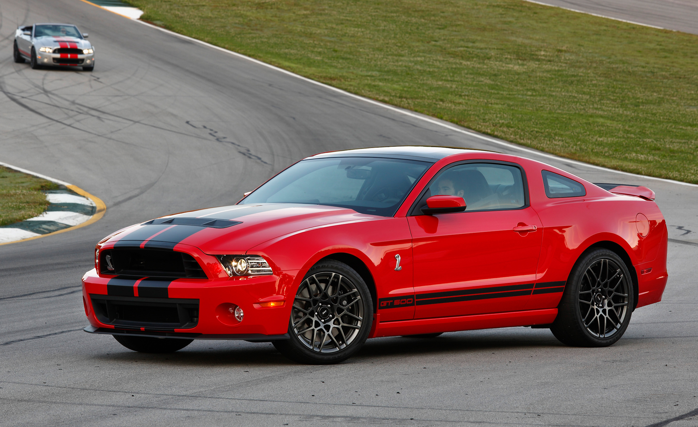 2013 Ford Mustang Shelby GT500 Red Exterior Front And Side (Photo 30 of 47)