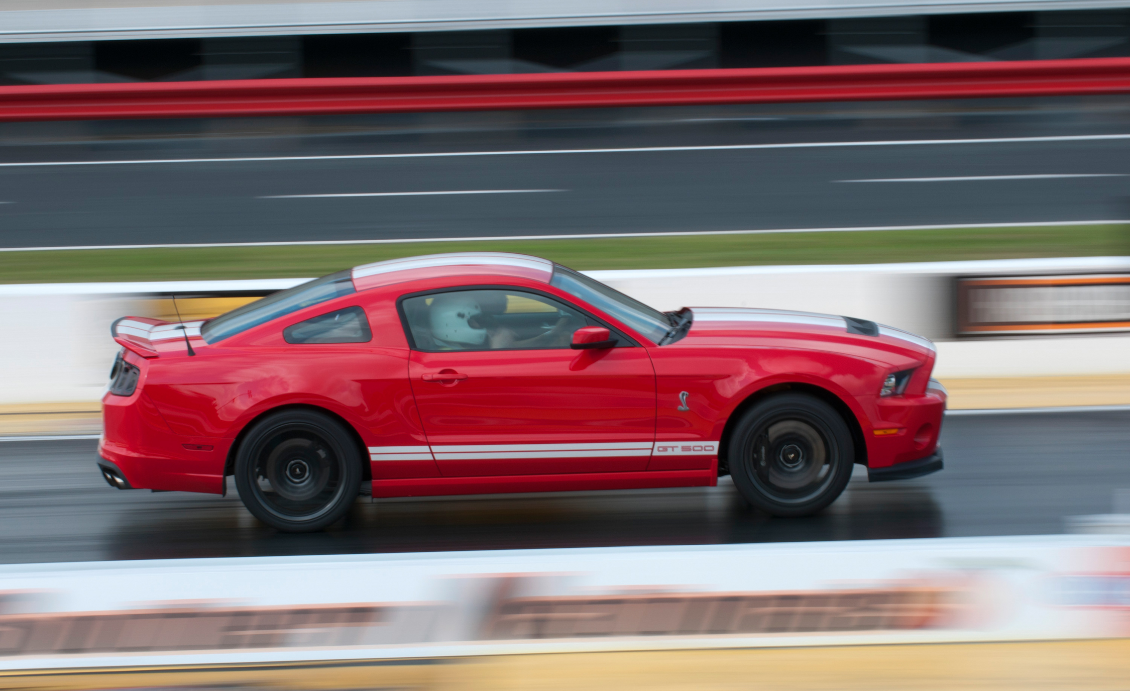 2013 Ford Mustang Shelby GT500 Red Test Drive Performance (Photo 36 of 47)
