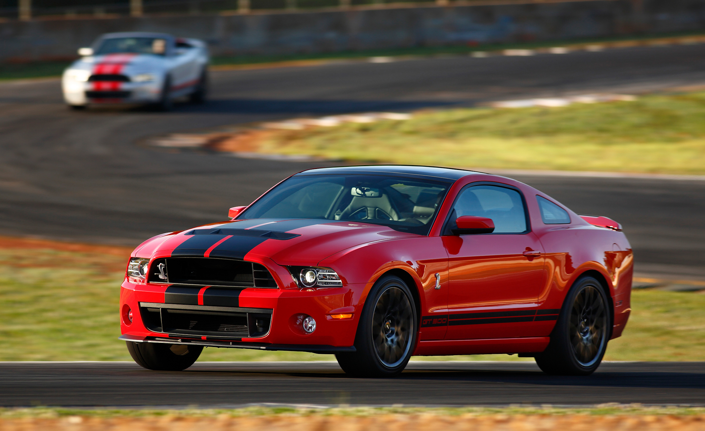 2013 Ford Mustang Shelby GT500 Red Test Drive Preview (Photo 37 of 47)