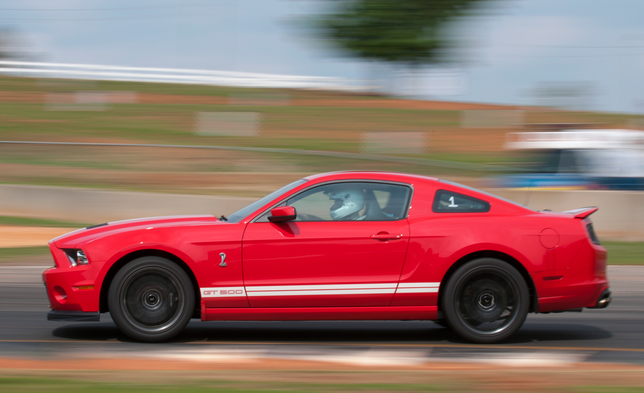 2013 Ford Mustang Shelby GT500 Red Test Drive (Photo 31 of 47)