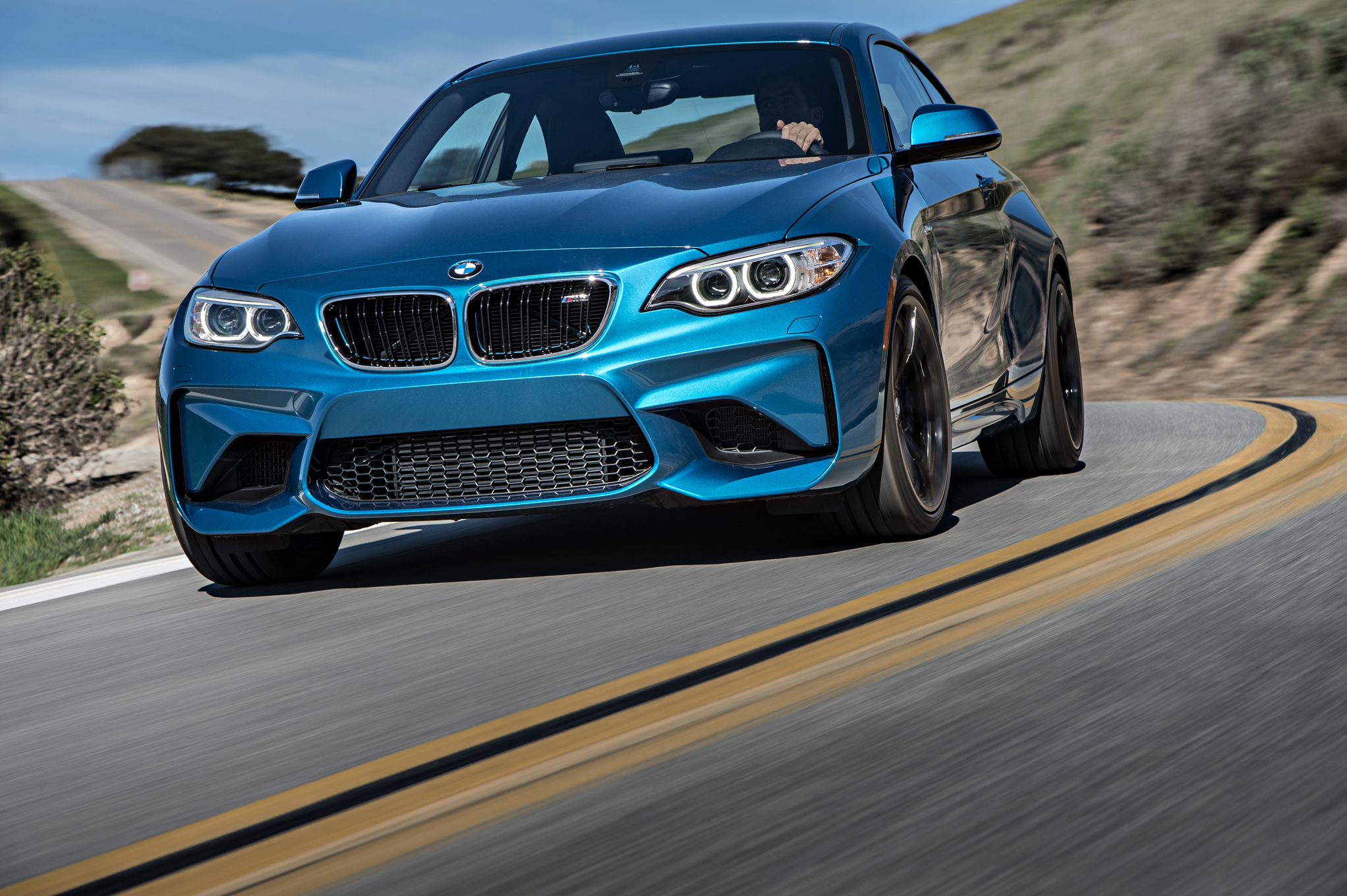2016 BMW M2 Coupe Blue Metallic Front Corner (Photo 55 of 61)