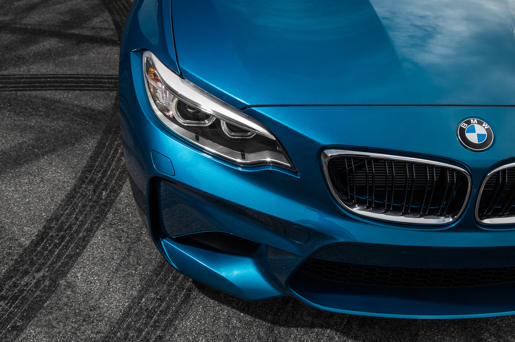 2016 BMW M2 Exterior View Grille And Headlight (Photo 35 of 61)