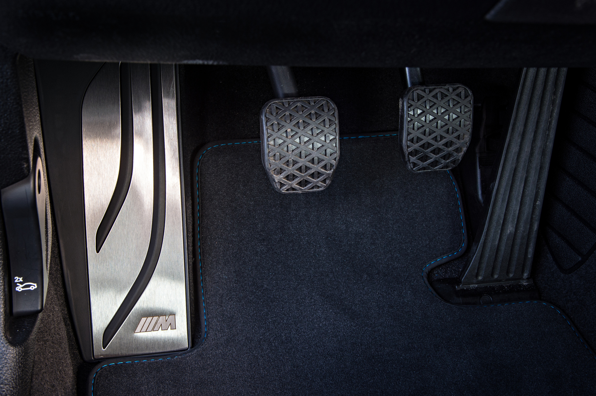2016 BMW M2 Interior View Pedals (Photo 11 of 61)