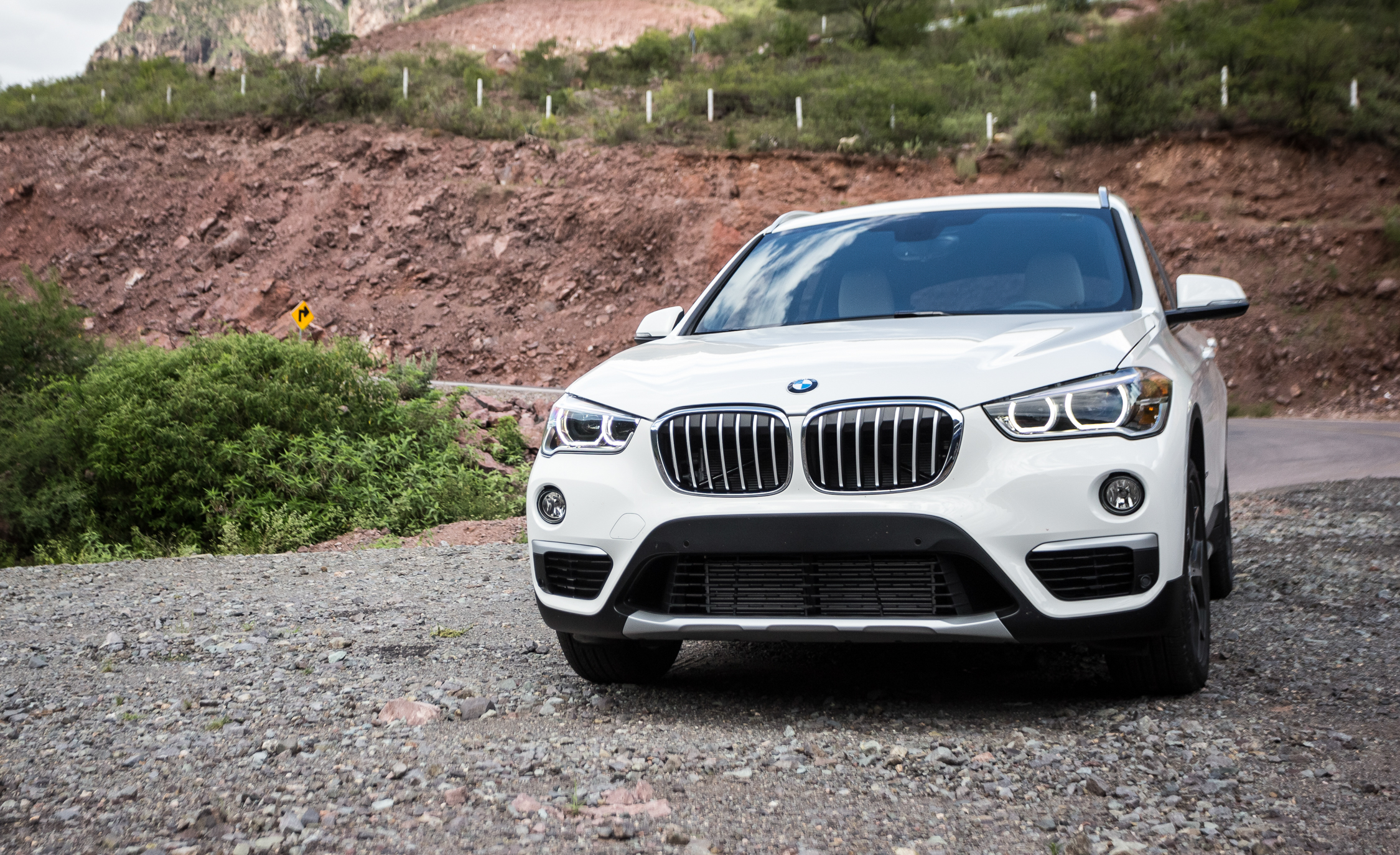 2016 BMW X1 Exterior White Metallic Front (Photo 34 of 36)