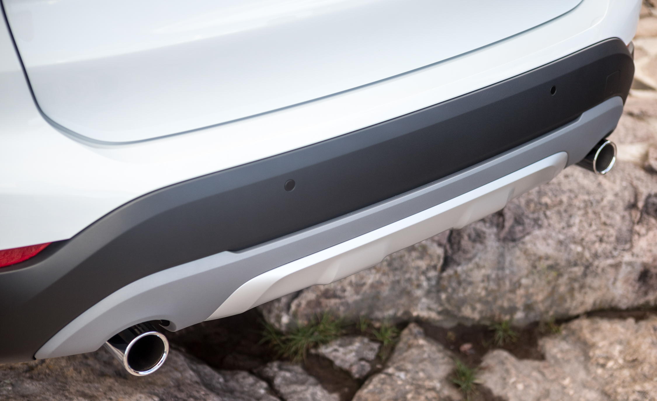 2016 BMW X1 Exterior White Metallic View Rear Bumper (Photo 9 of 36)