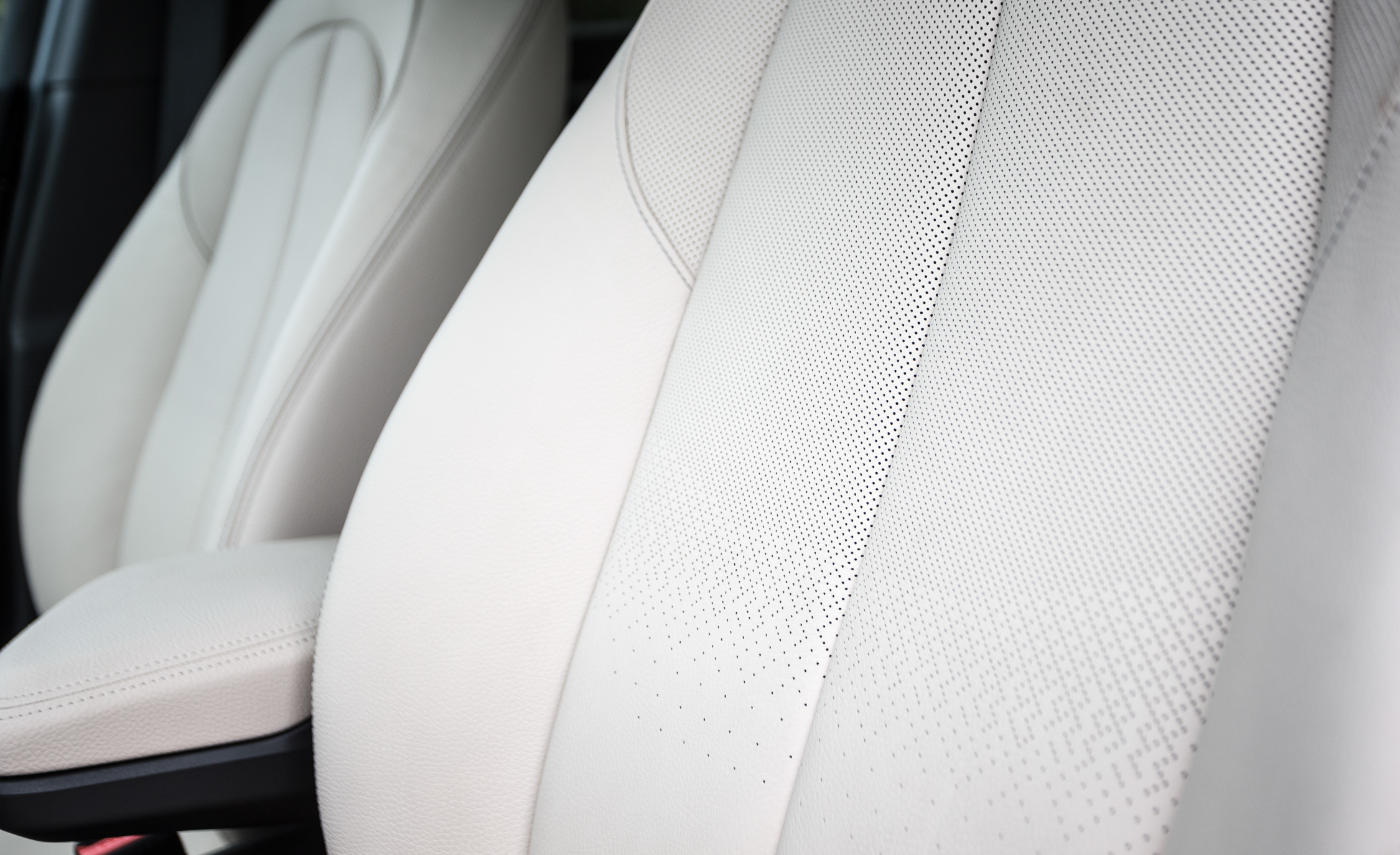 2016 BMW X1 Interior Seats Front Leather Details (Photo 22 of 36)