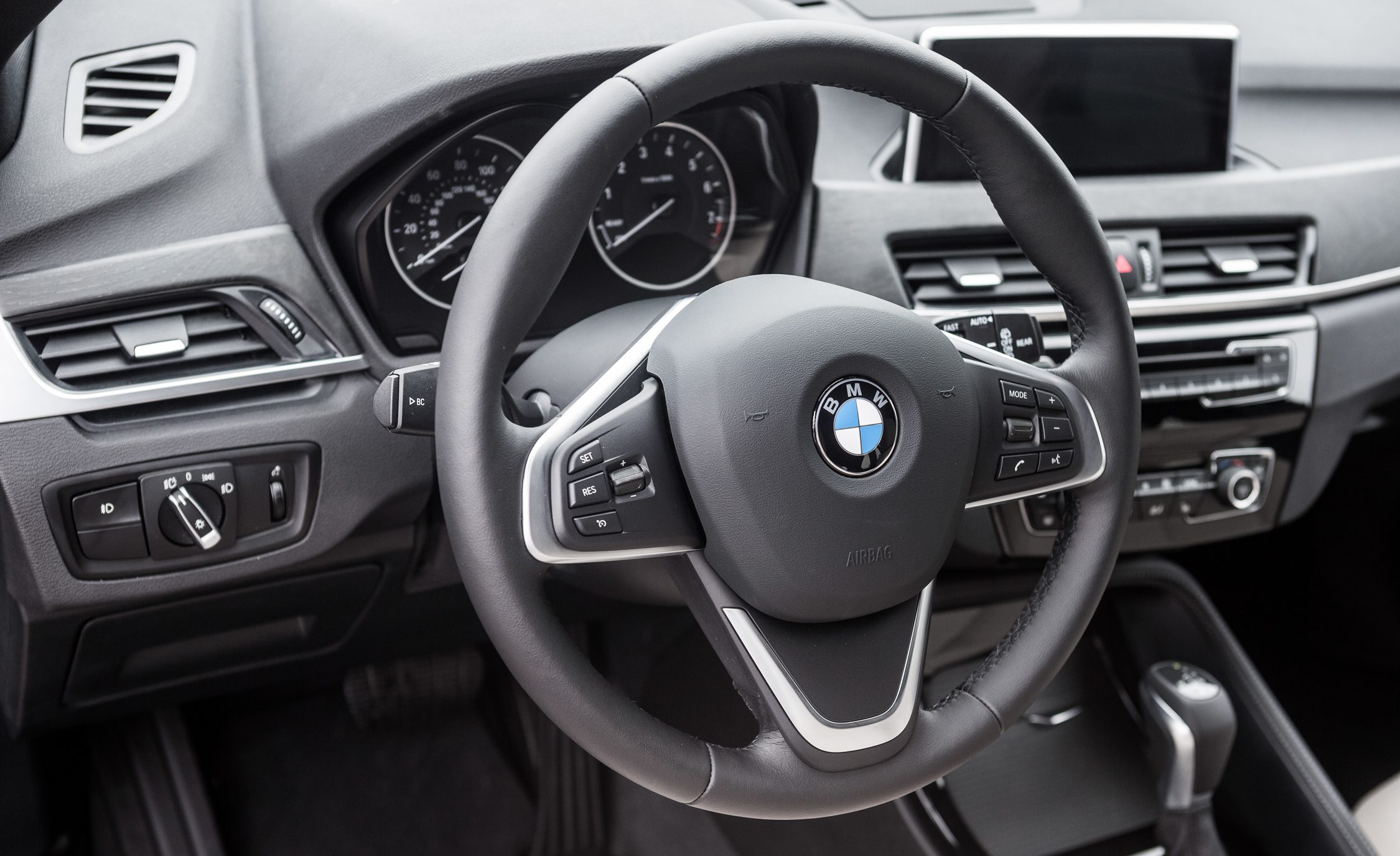 2016 BMW X1 Interior View Steering Wheel (Photo 9 of 36)