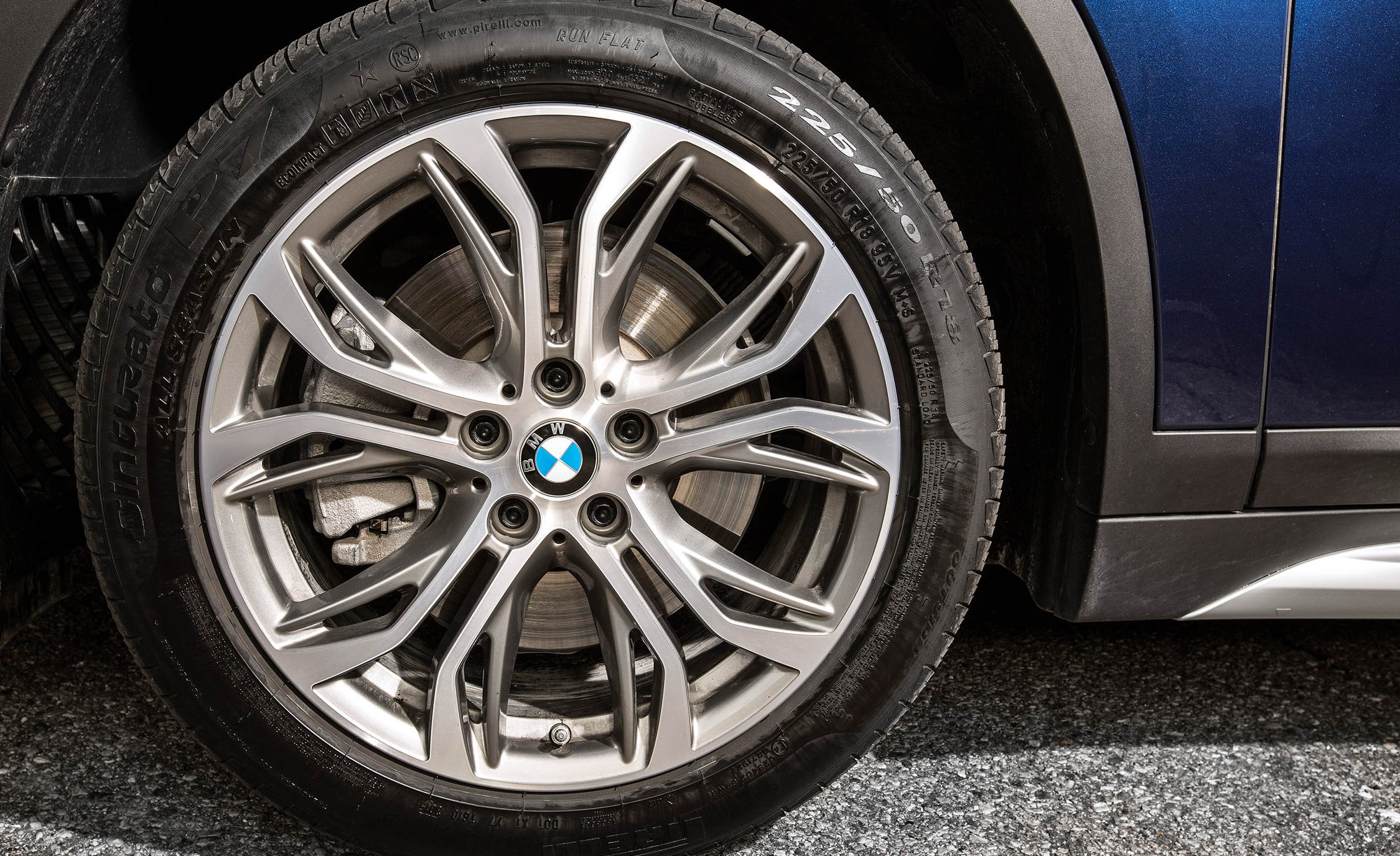 2016 BMW X1 XDrive28i Blue Metallic Exterior View Wheel (Photo 31 of 36)