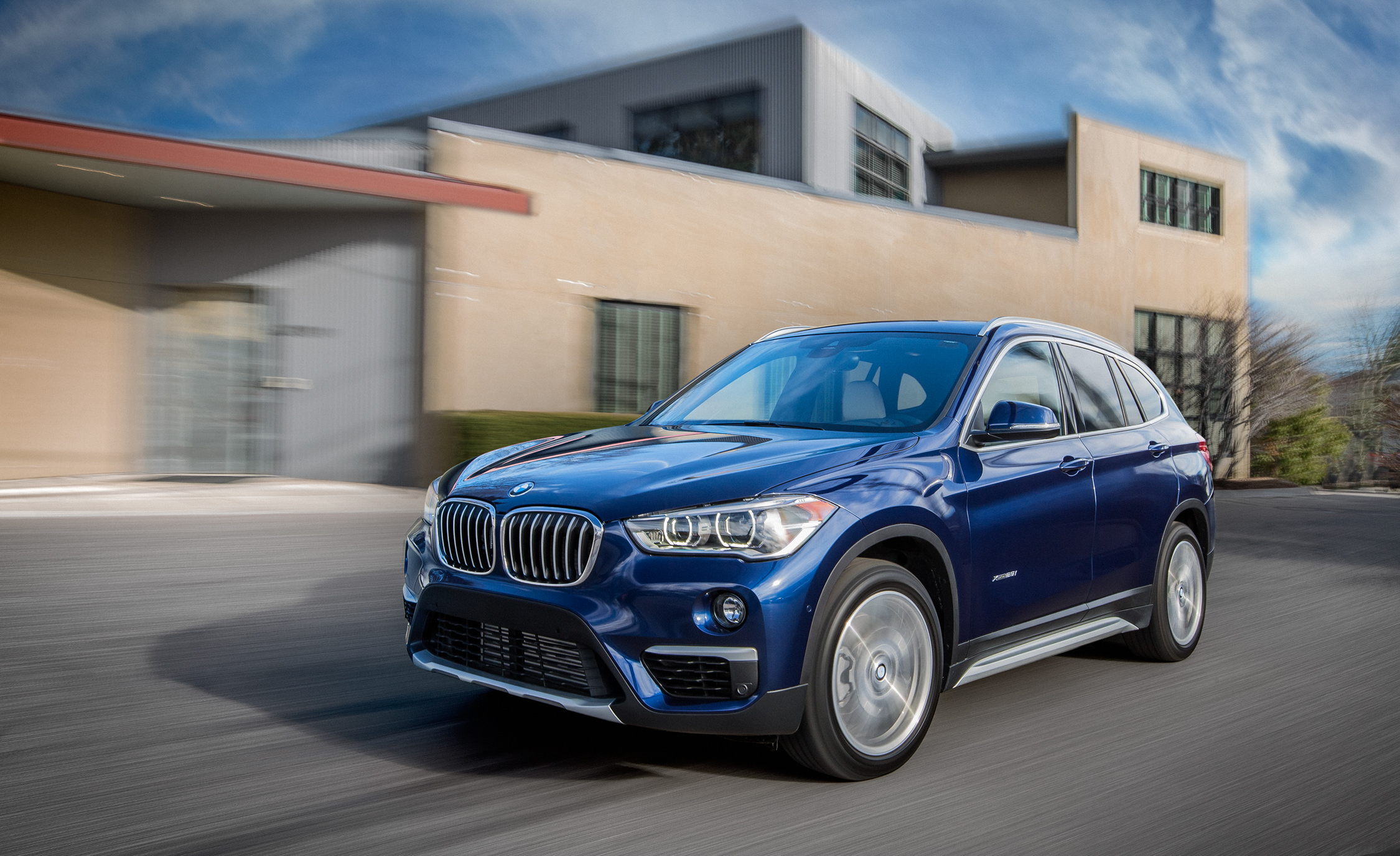 2016 BMW X1 XDrive28i Blue Metallic (Photo 1 of 36)