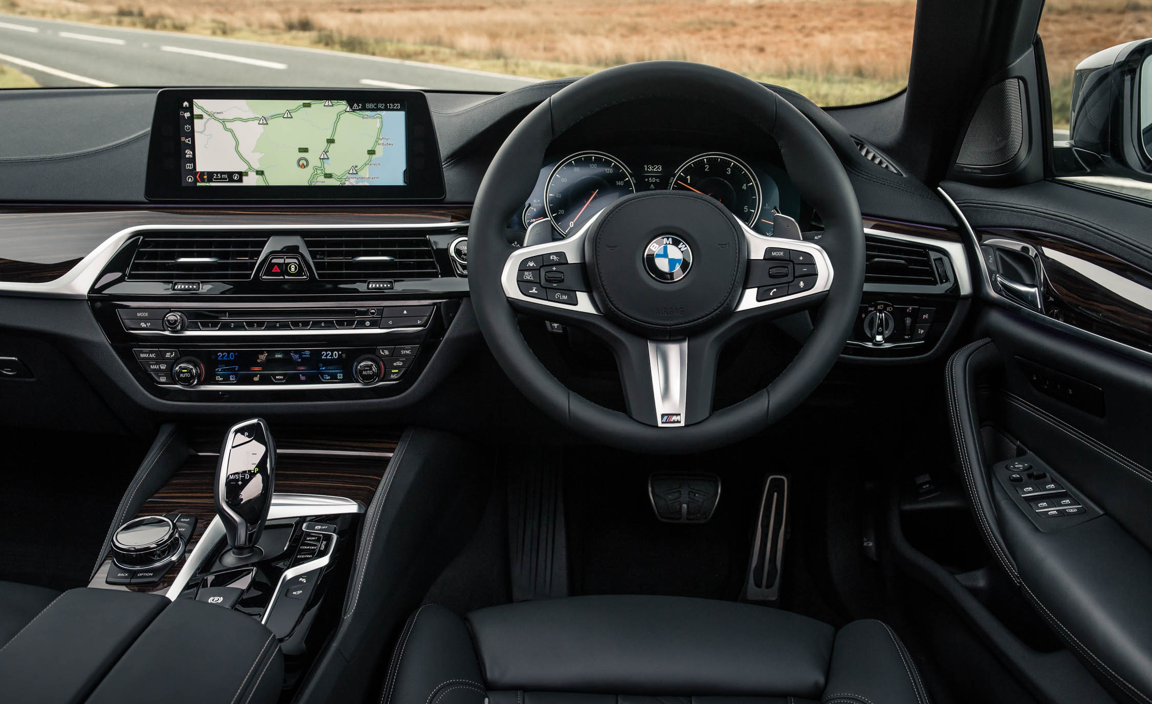 2017 BMW 530d Interior Driver Steering And Dashboard (Photo 32 of 32)
