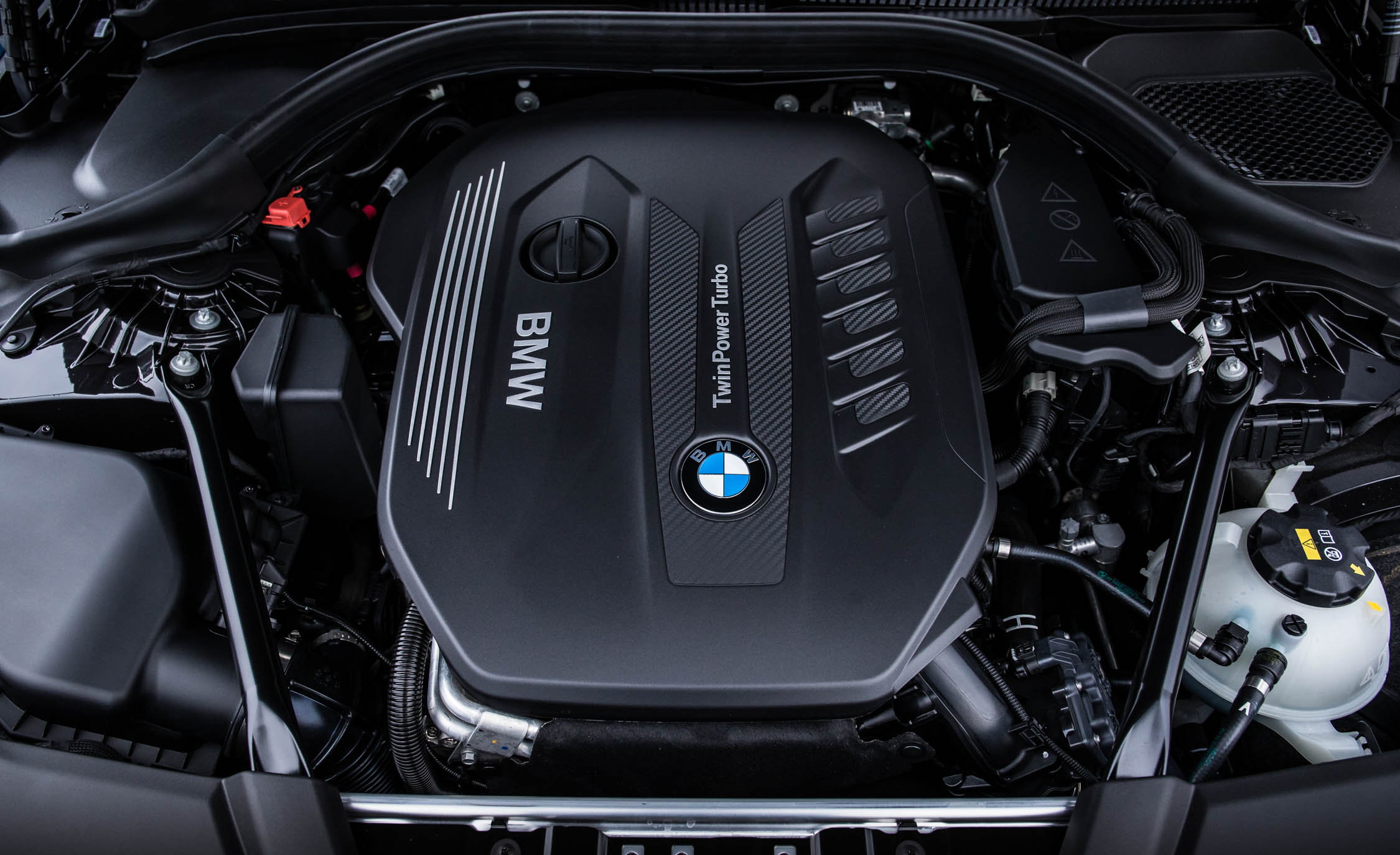 2017 BMW 530d View Engine (View 23 of 32)