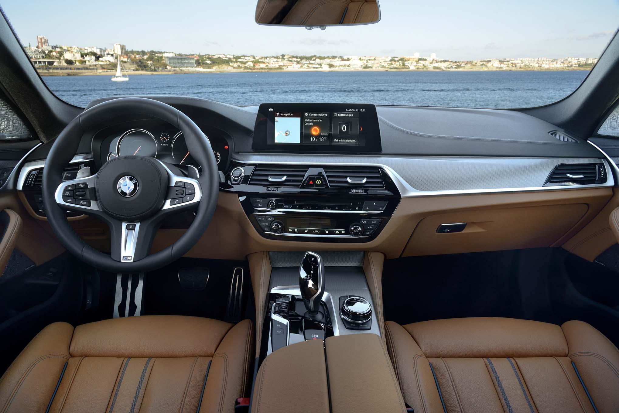 2017 BMW 540i M Sport Interior Dashboard (Photo 16 of 35)