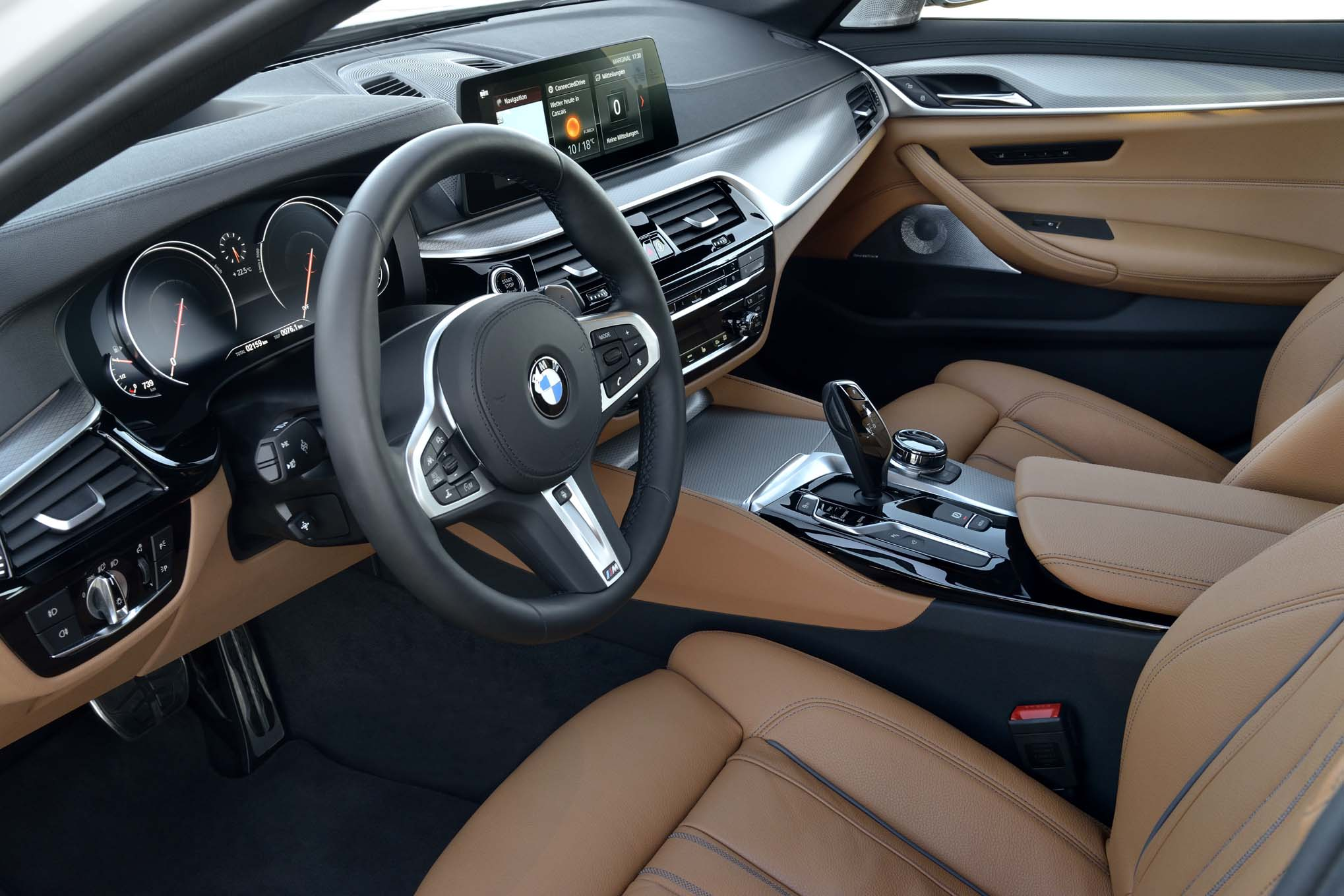 2017 BMW 540i M Sport Interior Driver Steering (Photo 15 of 35)