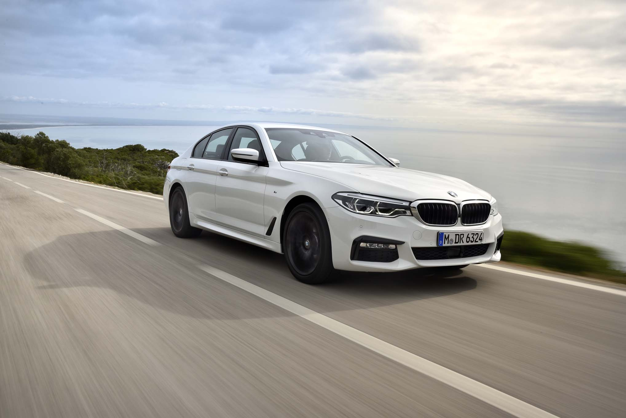 2017 BMW 540i M Sport Test Drive (Photo 6 of 35)