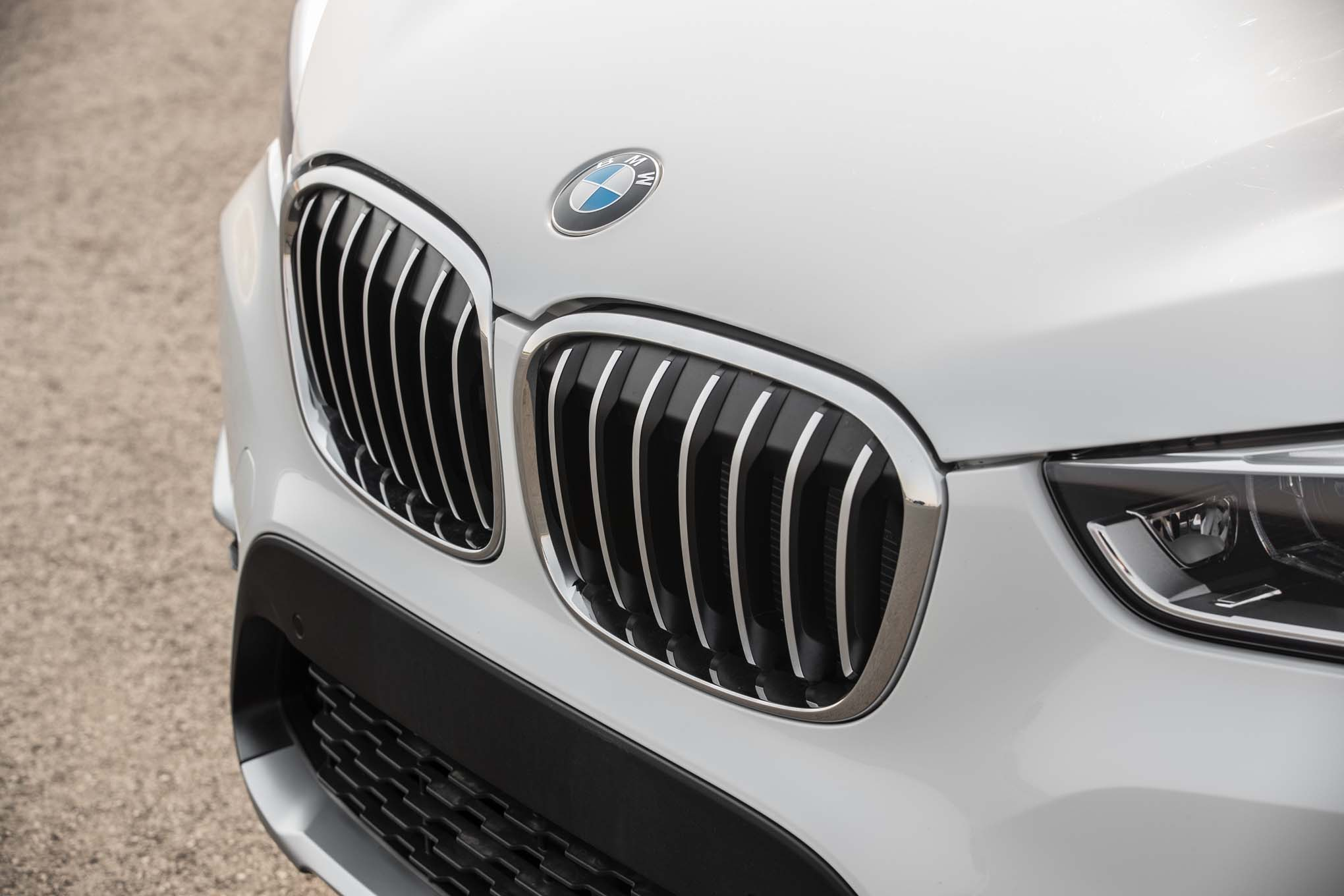 2017 BMW X1 XDrive28i Exterior View Grille (Photo 5 of 23)